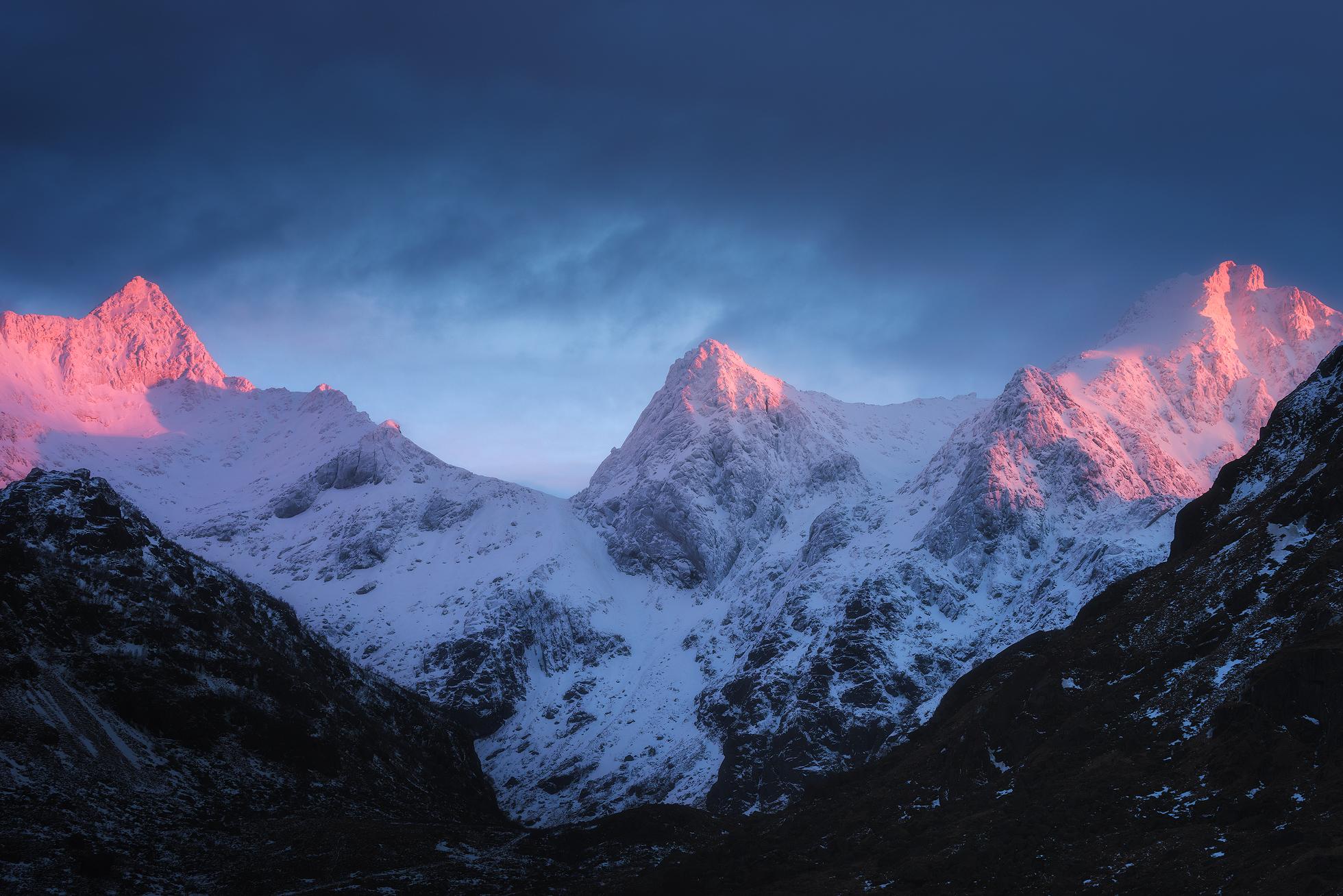 Lofoten-Mountains-4.jpg
