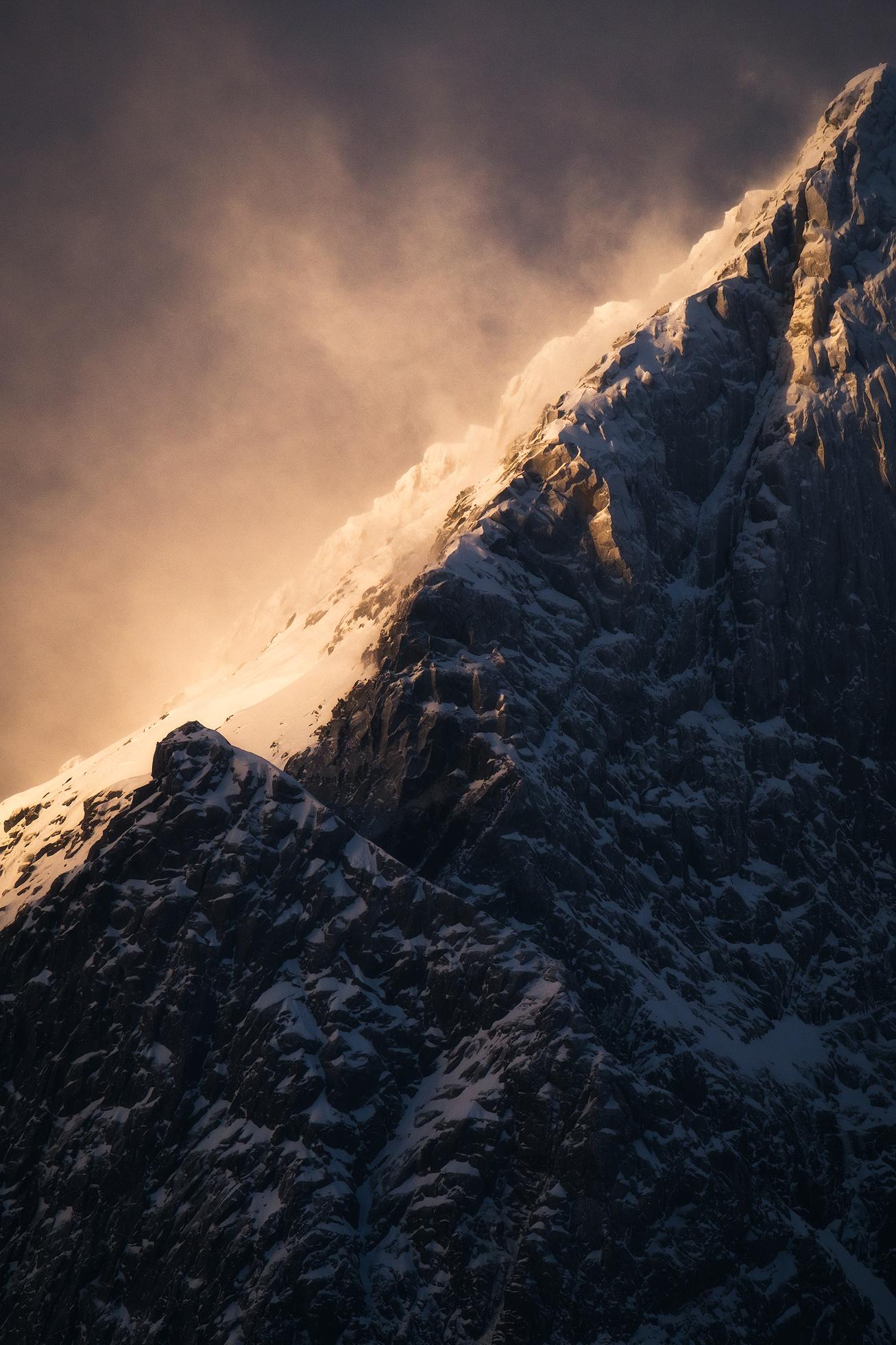 Lofoten-Mountains-8.jpg