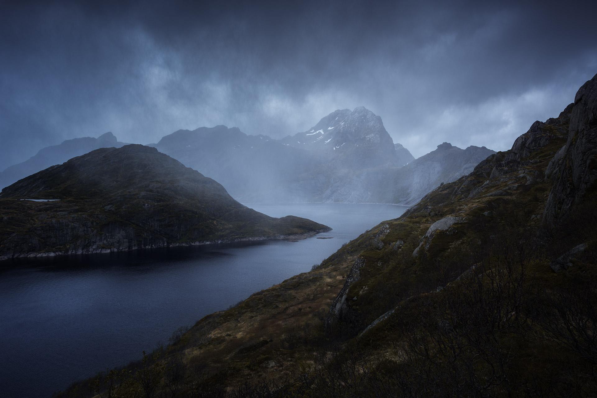Lofoten-Mosknesoy-Stormy-Hike-2.jpg