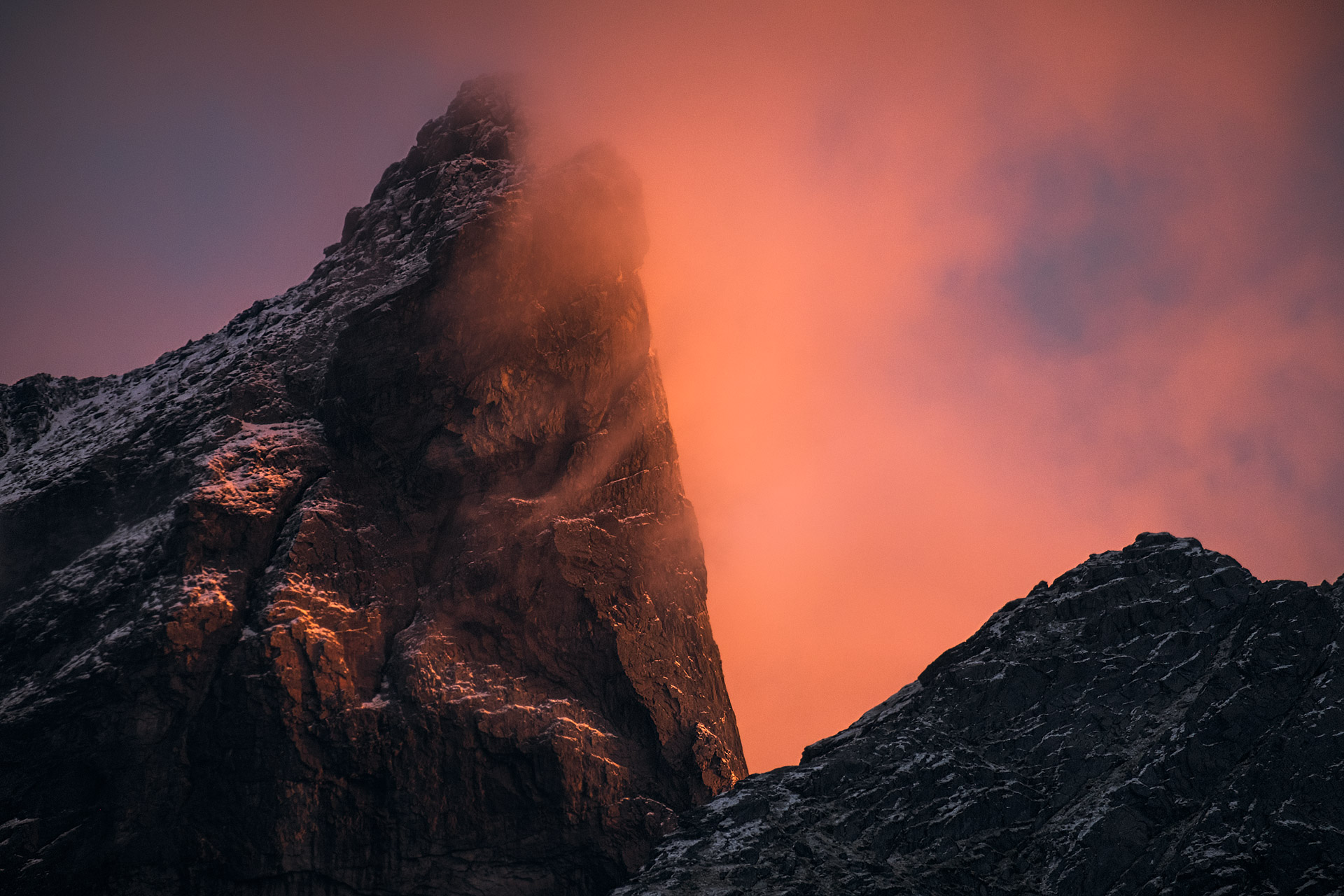 Mt-Satan-Fire.jpg