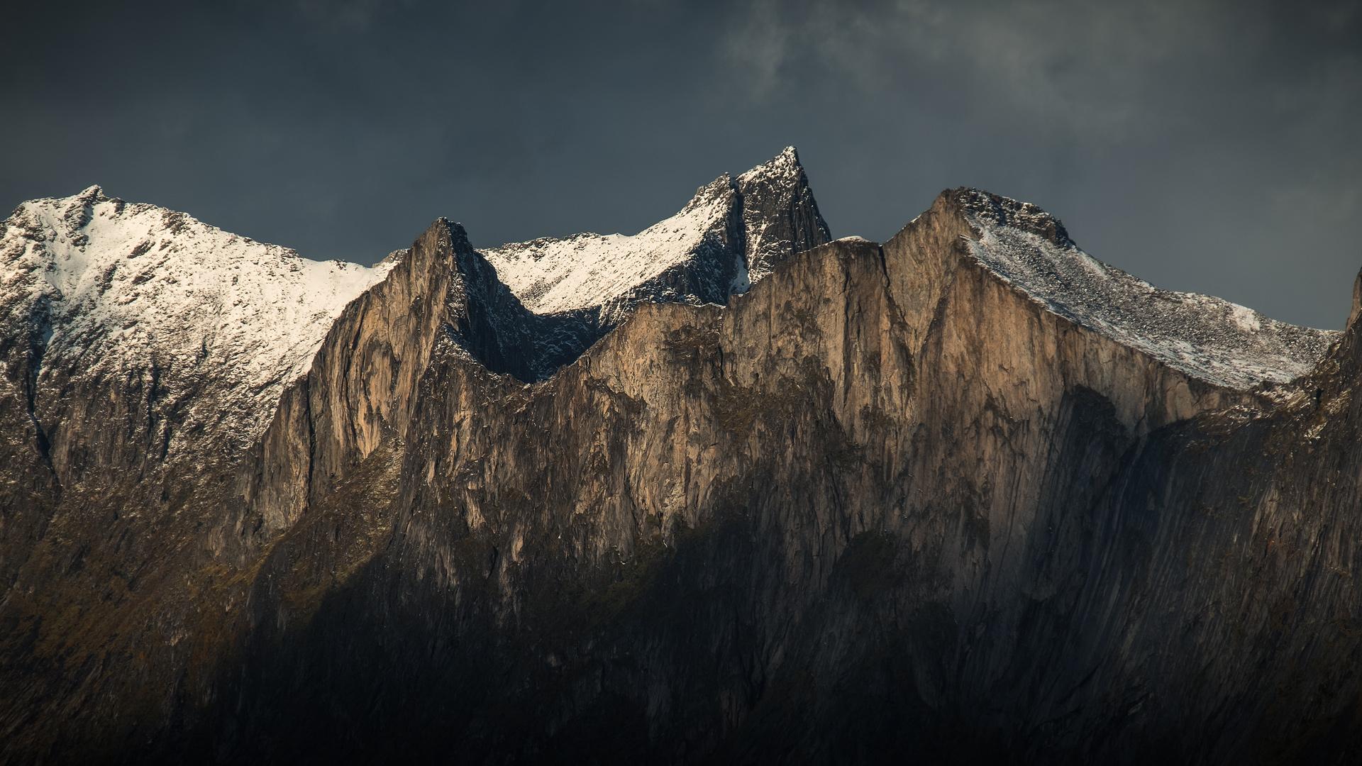 Senja-Mountains-2-1.jpg