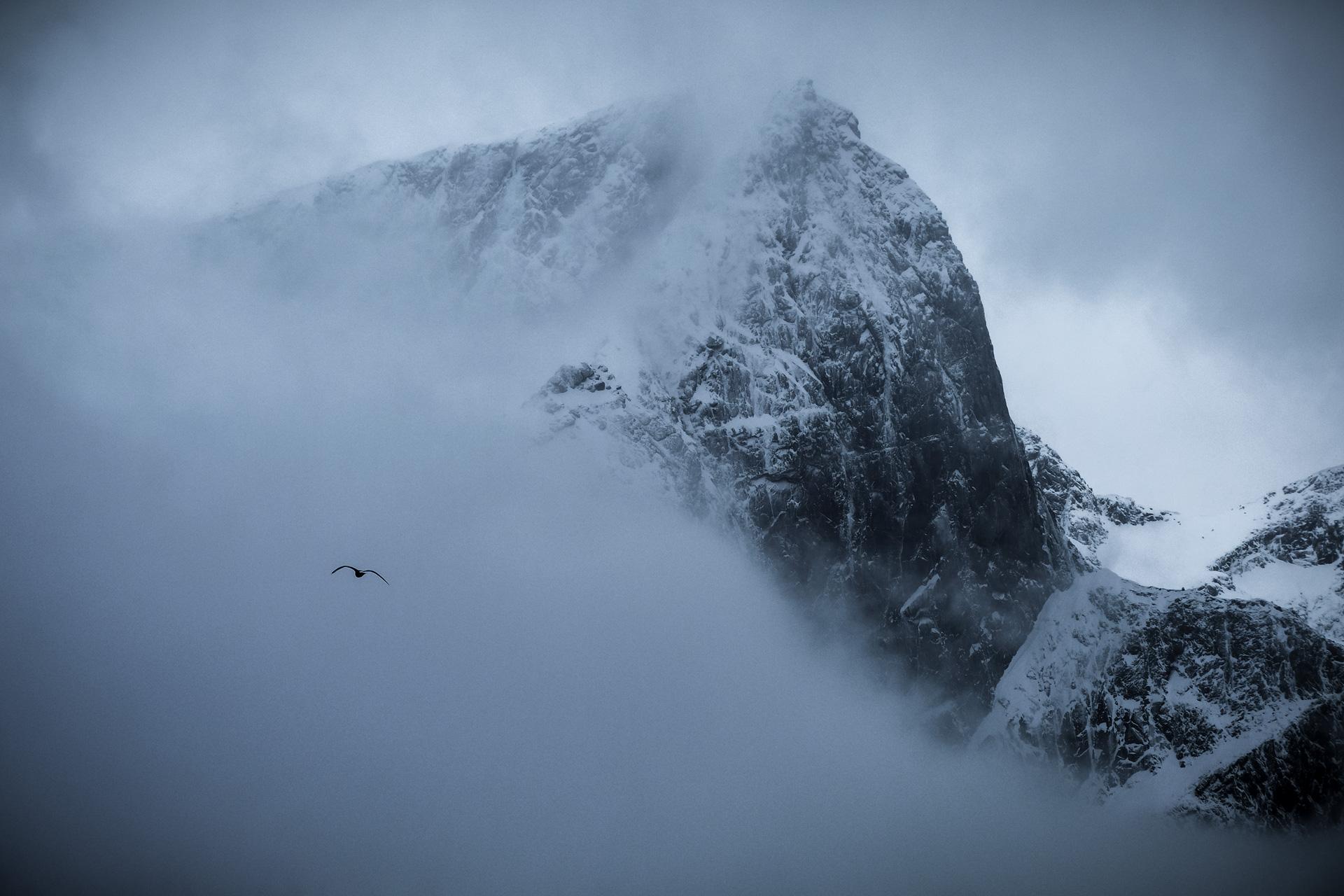 Lofoten-Cloudy-Peaks-02-2019-1.jpg