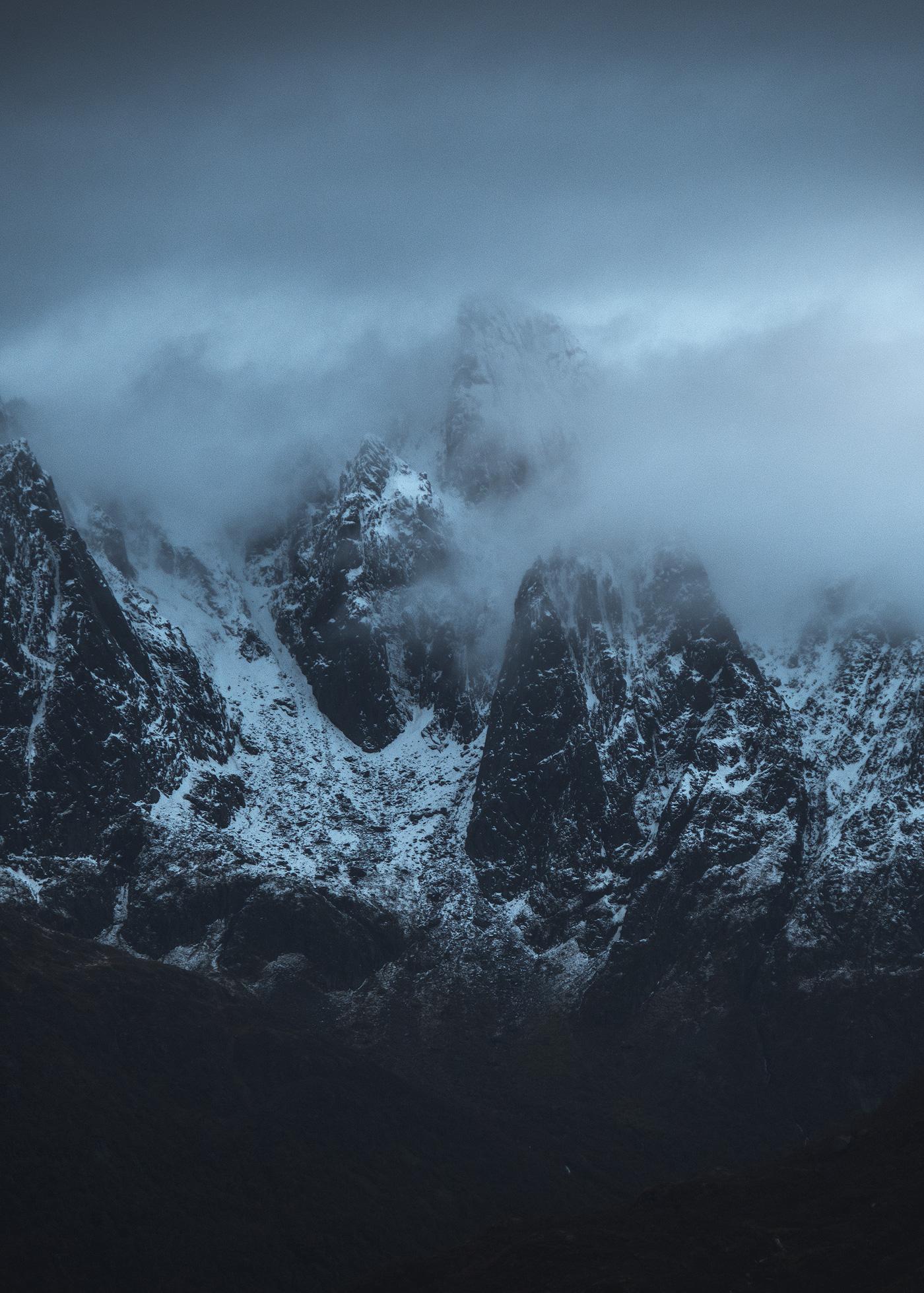 Lofoten-Misty-Peaks.jpg