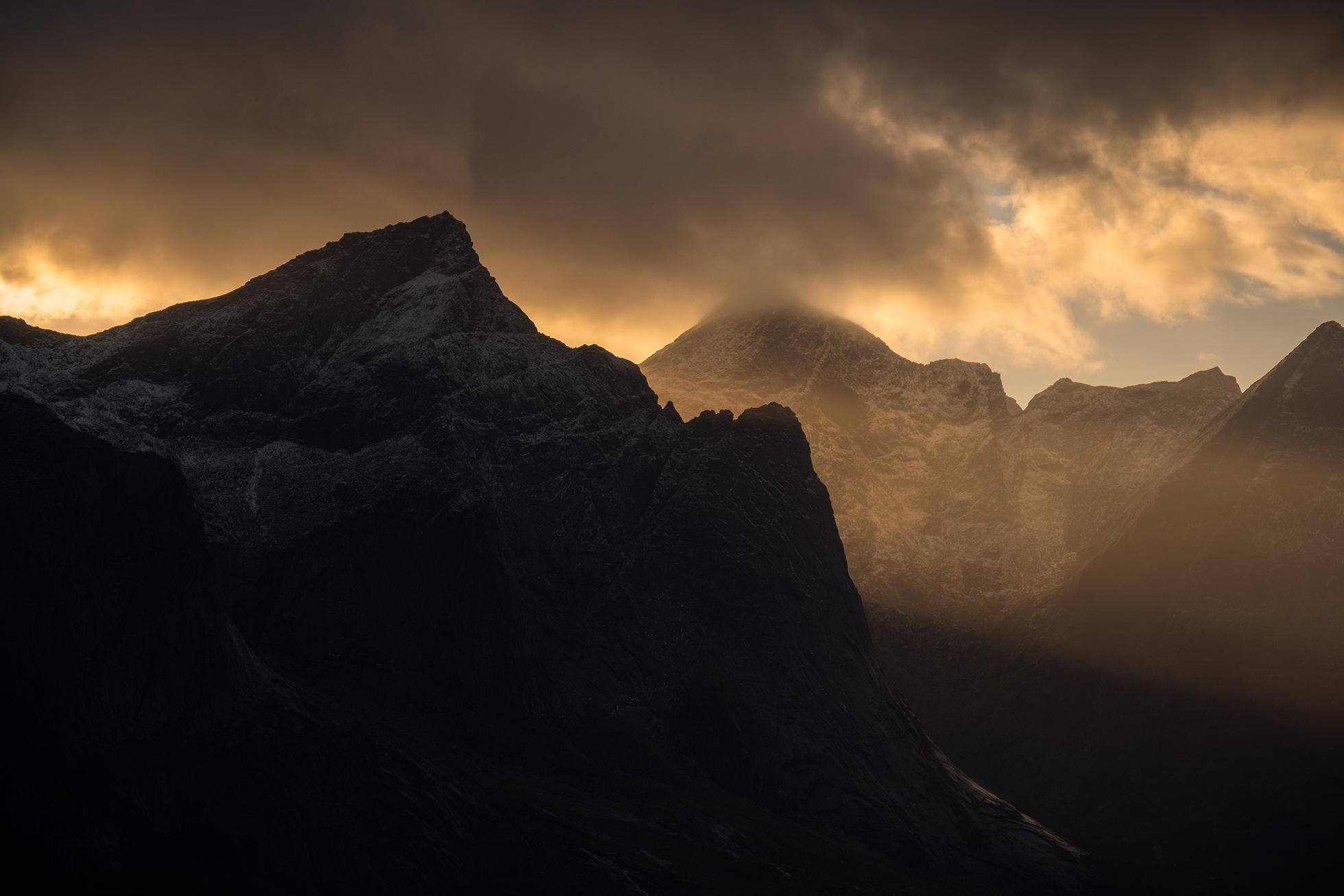 Lofoten-Moskenes-Lightrays.jpg