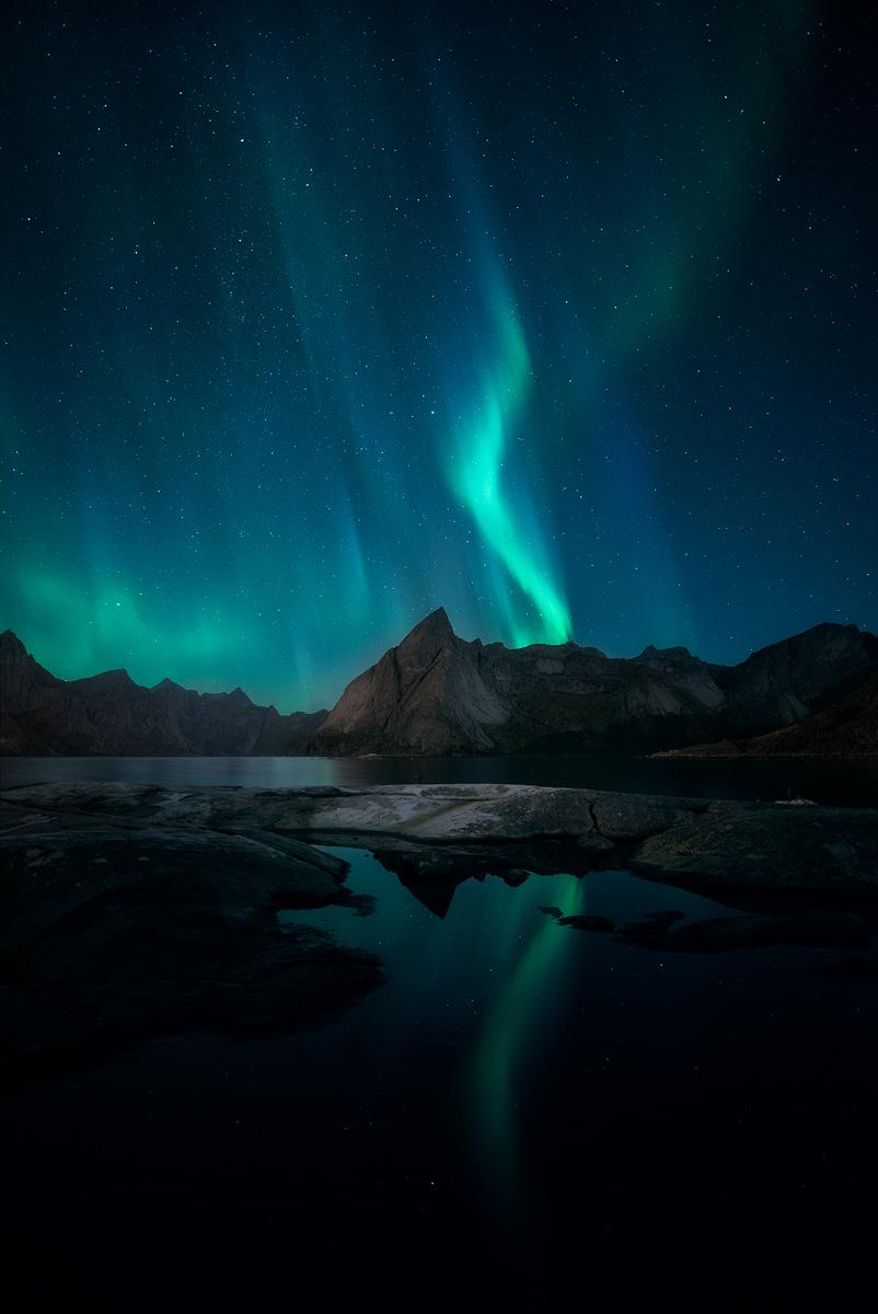 Hamnoy-Aurora-Reflections.jpg