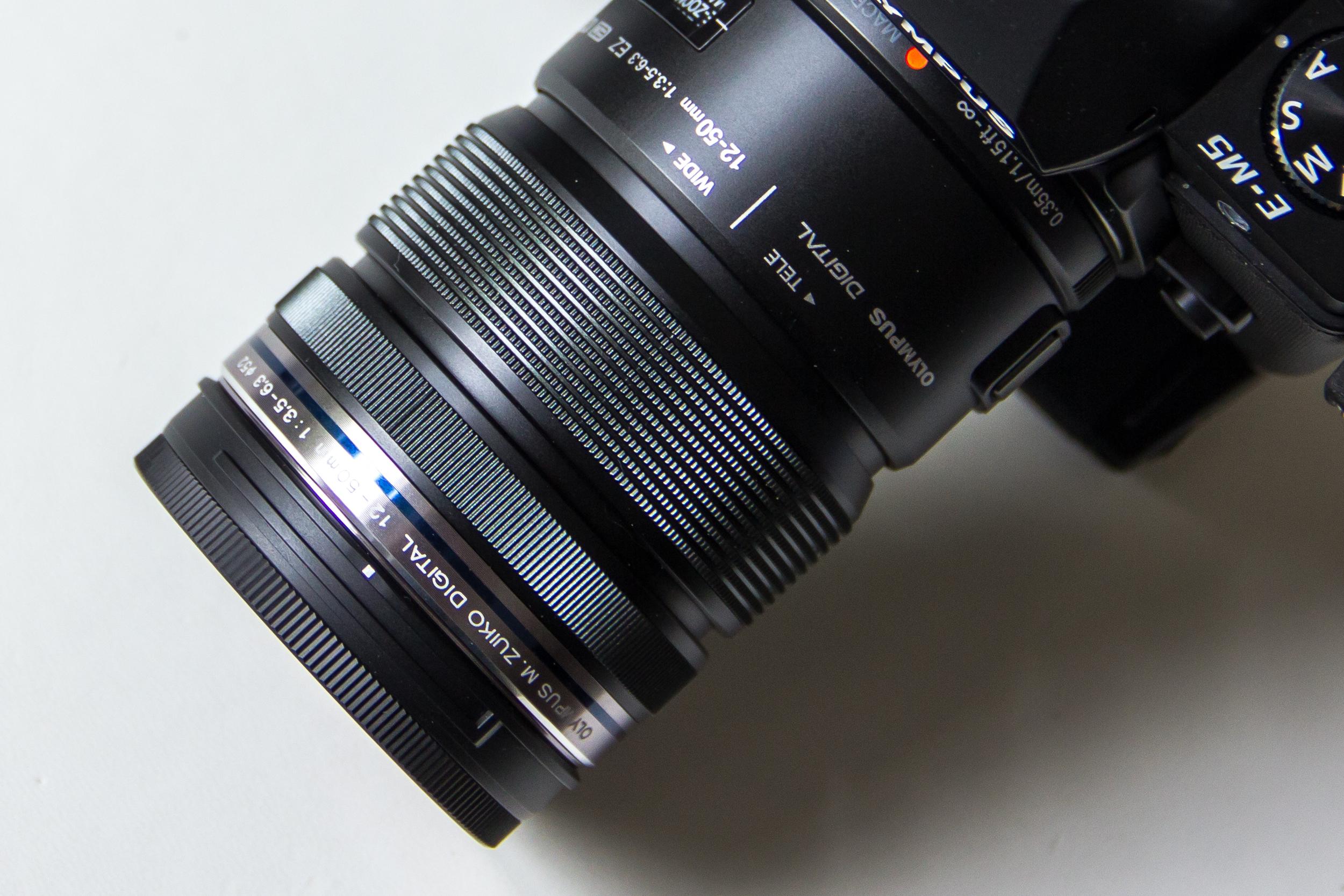 Olympus OM-D E-M5 mit Kit-Objektiv 12-50 mm