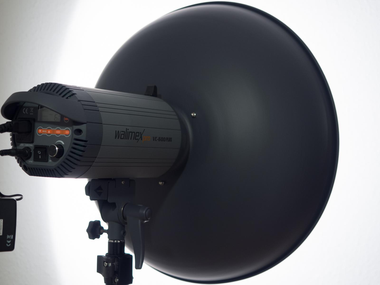 Walimex VC 600 Pro mit 50 cm Dish
