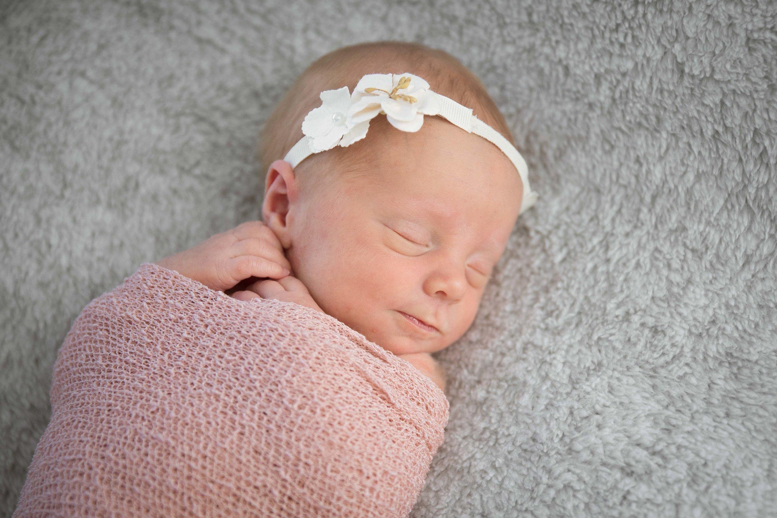 Newborn (12 of 18).jpg