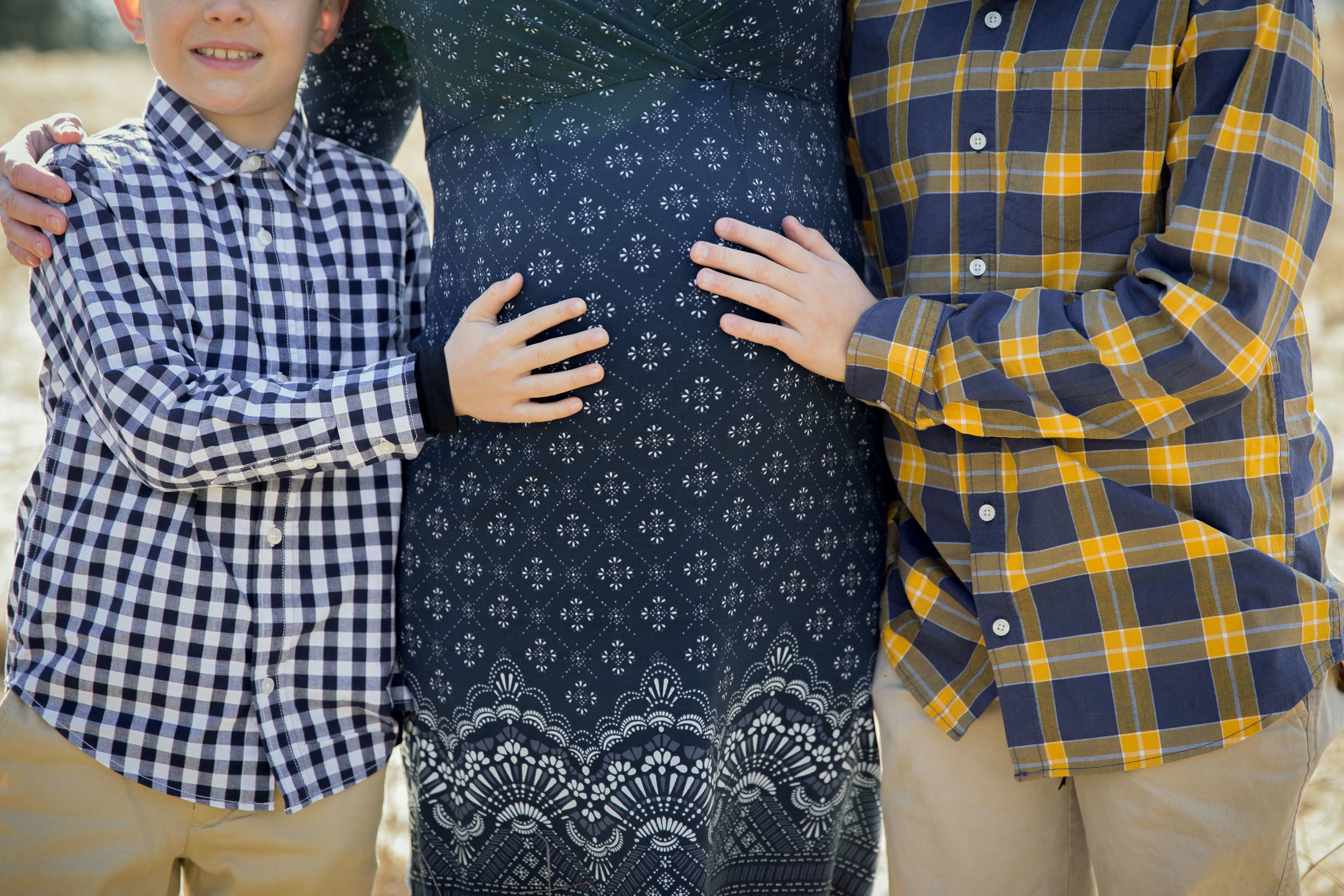 Family Maternity (3 of 17).jpg