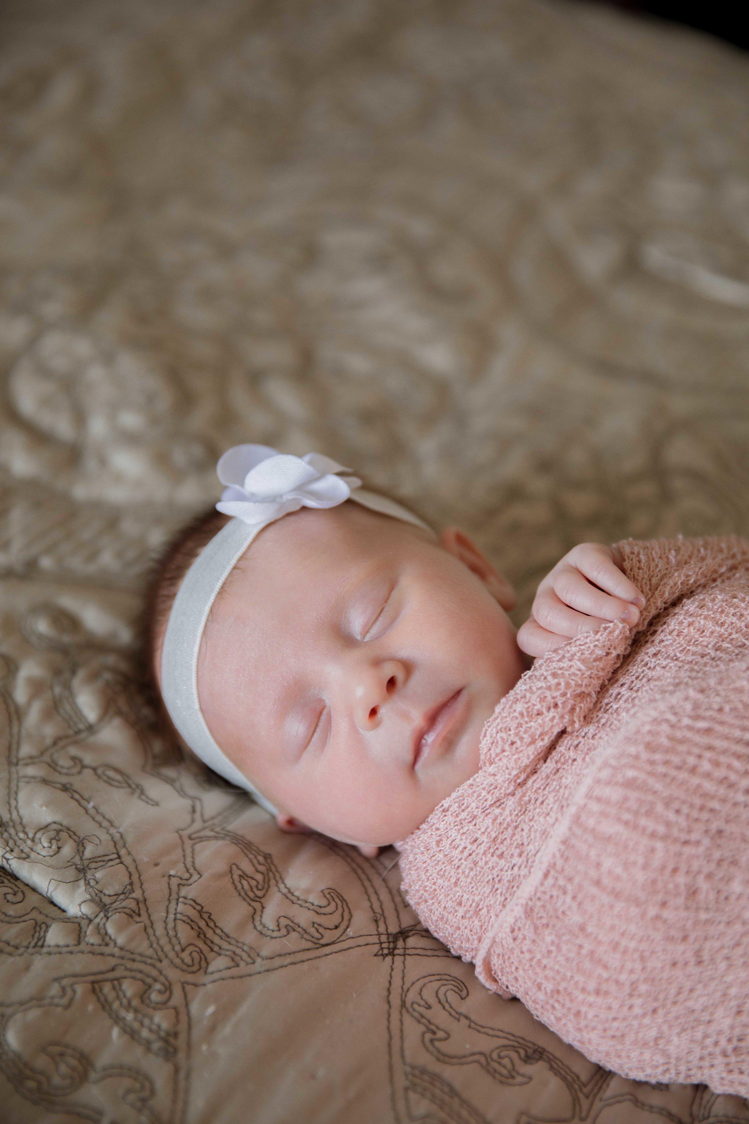 Newborn (6 of 25).jpg