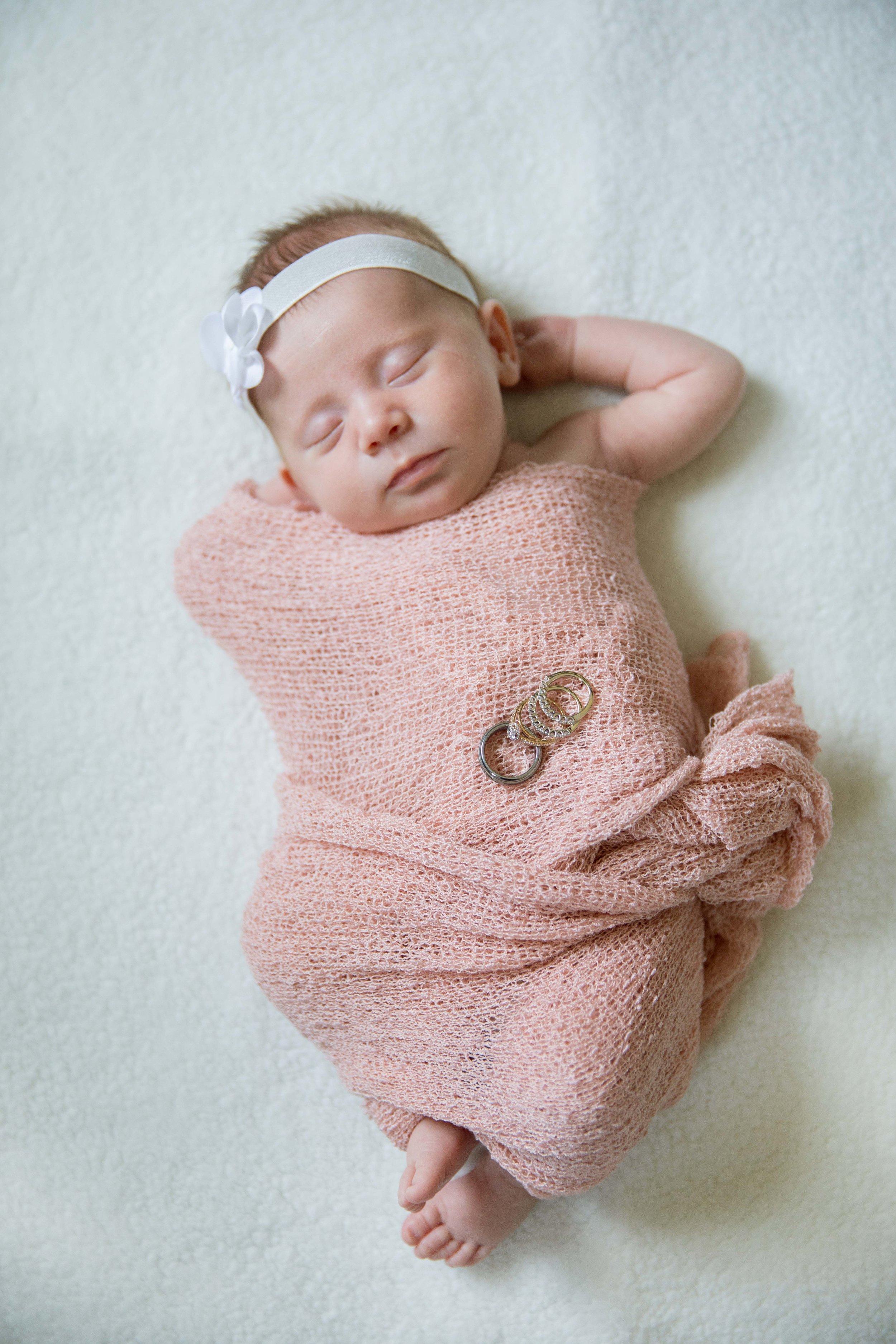 Newborn (21 of 25).jpg