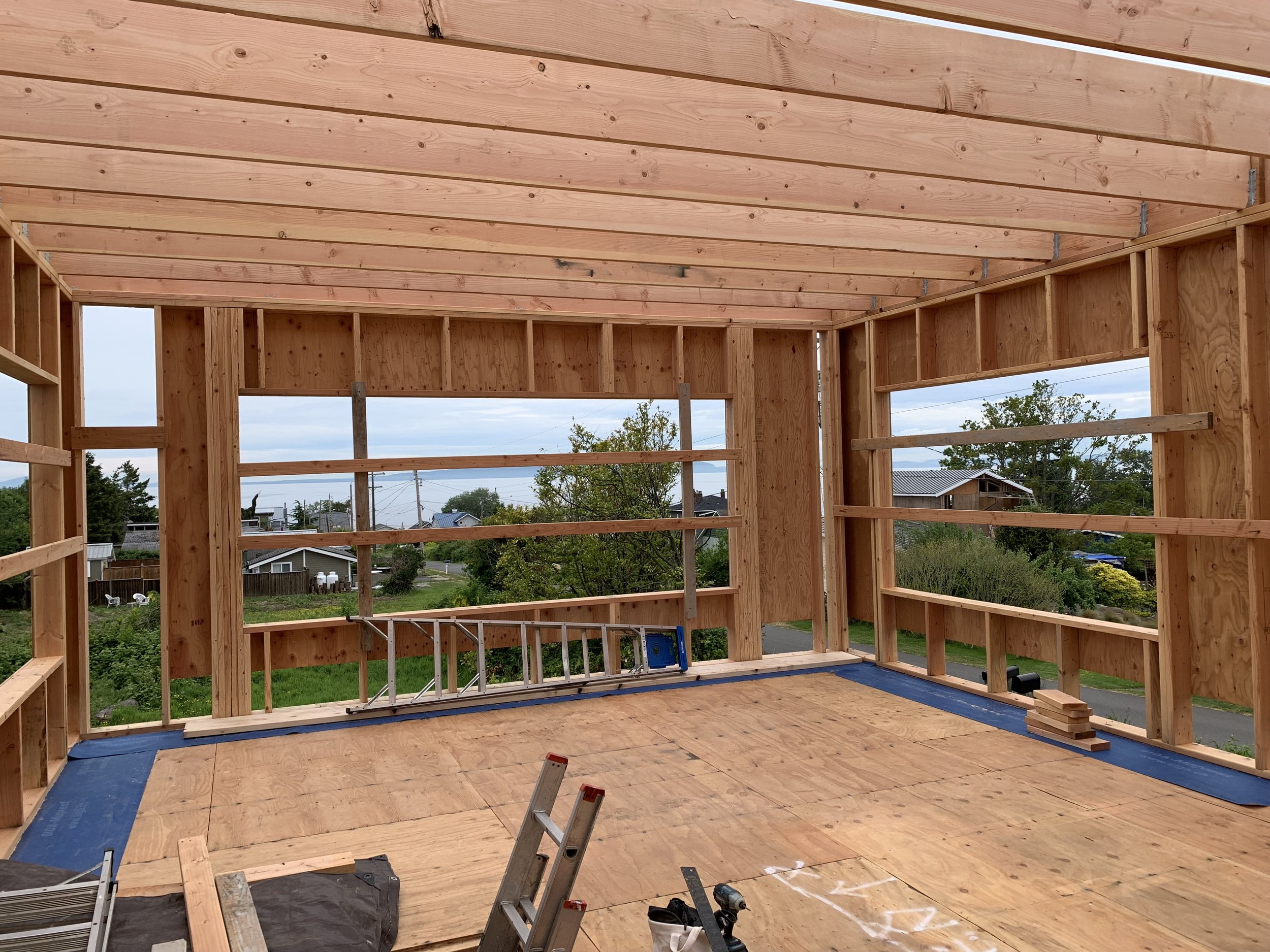 Flat roof framing