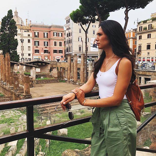 That time in #Roma 🇮🇹 #pompeystheatre #romanruins #travel #ancientrome #rome #romeitaly #italy #italia #history #archaeology #reminiscing