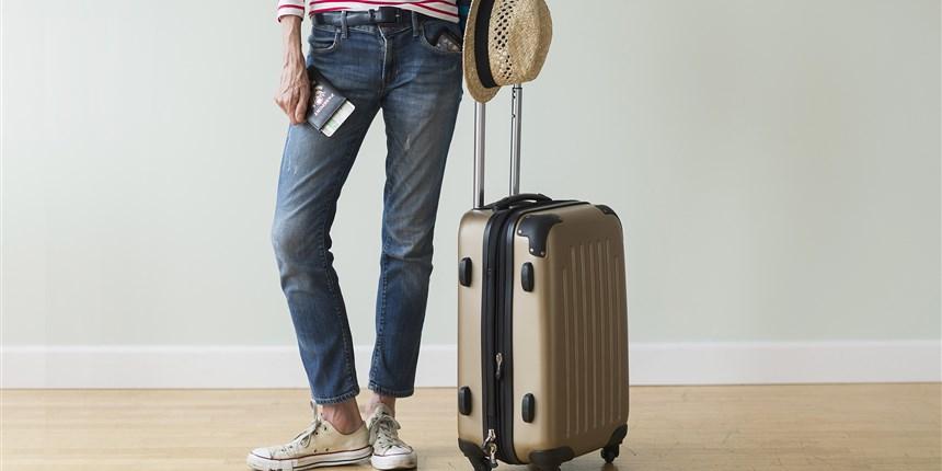 170718-vacation-luggage-mn-1115_b0f975680ea9a3324e9fcb002676f3c9.focal-860x430.jpg