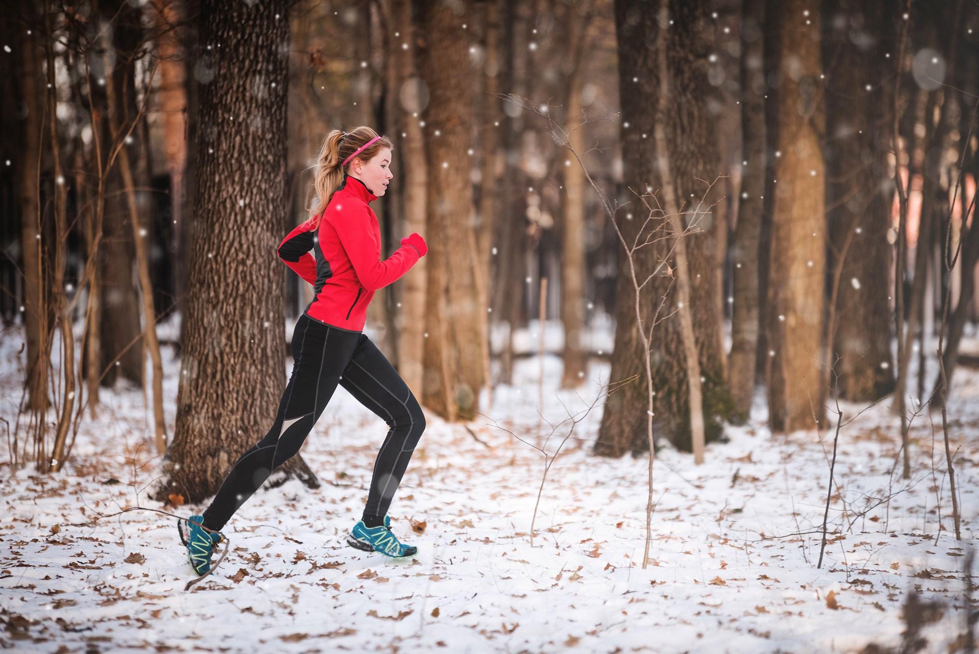 180112-jogger-snow-cold-weather-ac-451p_8595d7bb5dfc1251c181e3c37ff4f44b.fit-2000w.jpg