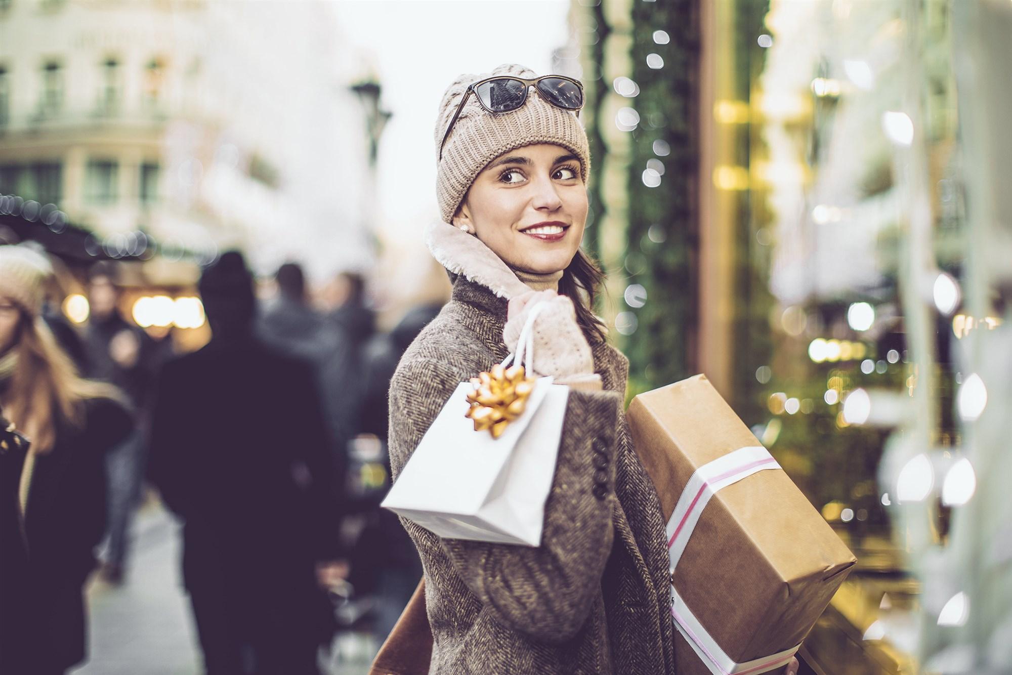 181204-woman-shopping-se-1246p_0d2498bc69ad10920eac1d990fc1ae80.fit-2000w.jpg