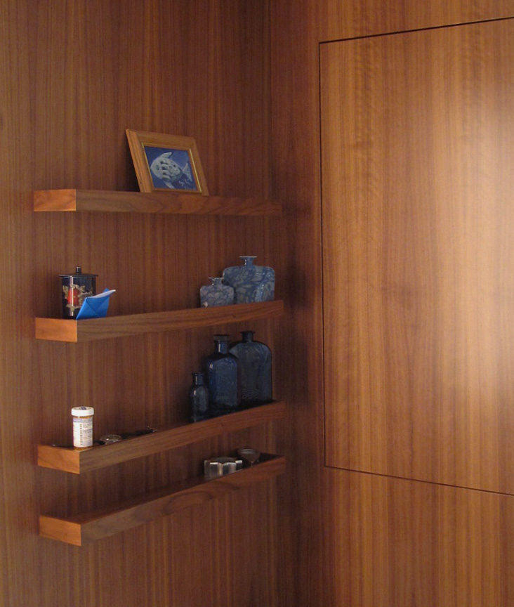 05_Shelf detail - crop.JPG
