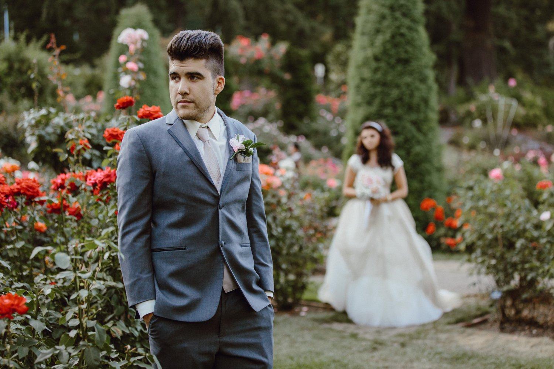 First look at a Portland Rose Garden Wedding in Washington Park