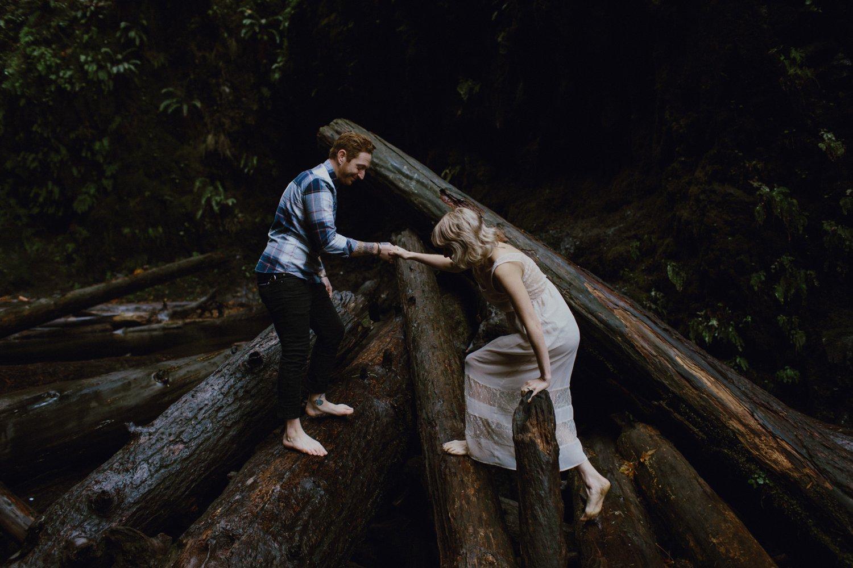 columbia-gorge-oregon-engagement-photography_0012.jpg