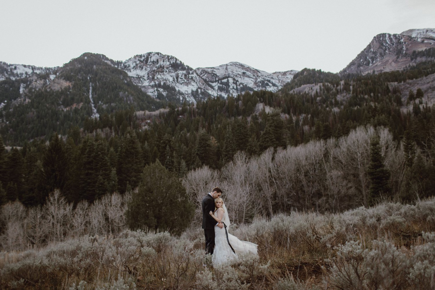 A bride and groom wedding photo in American Fork Canyon