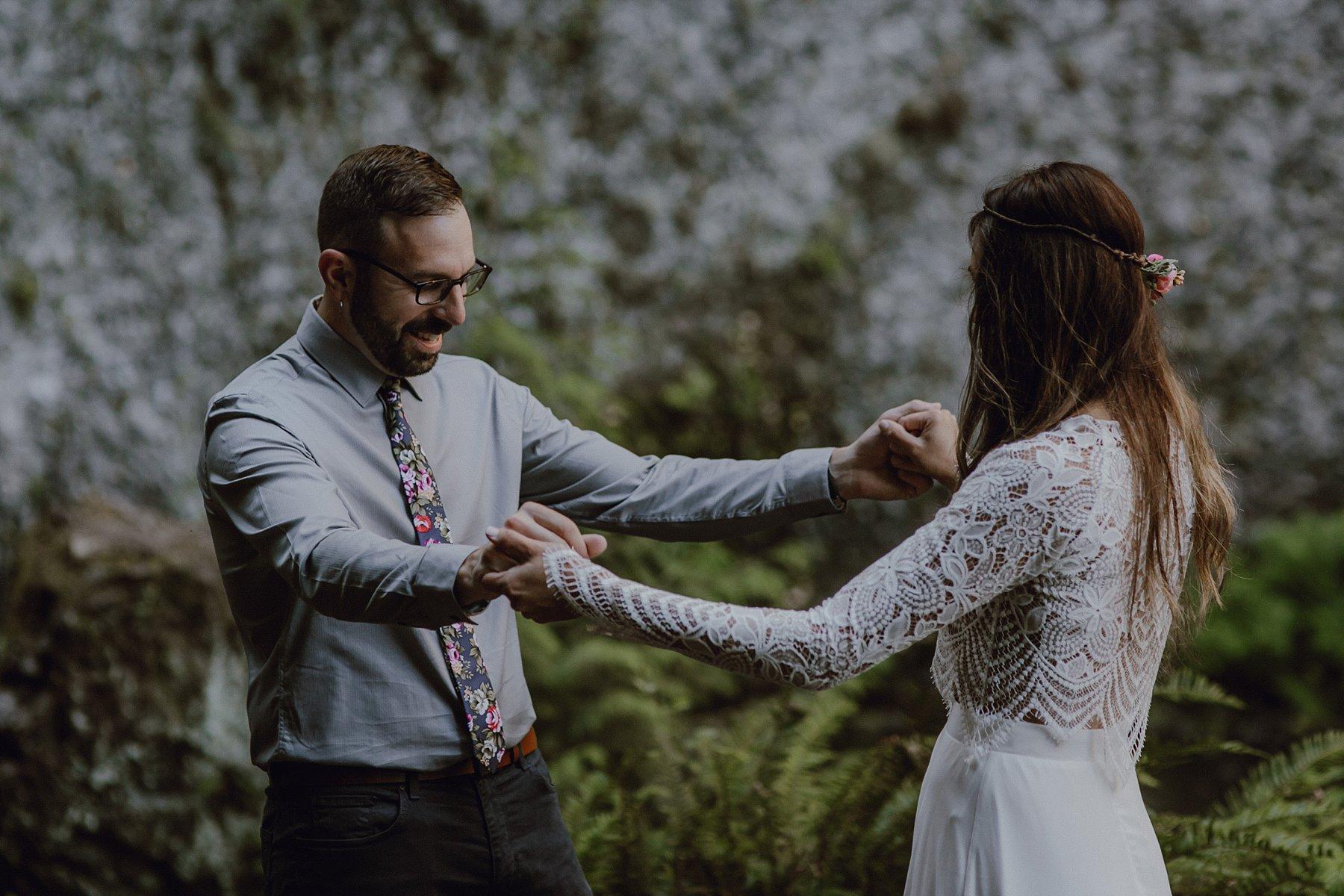 wahclella-falls-elopement-wedding_0009.jpg