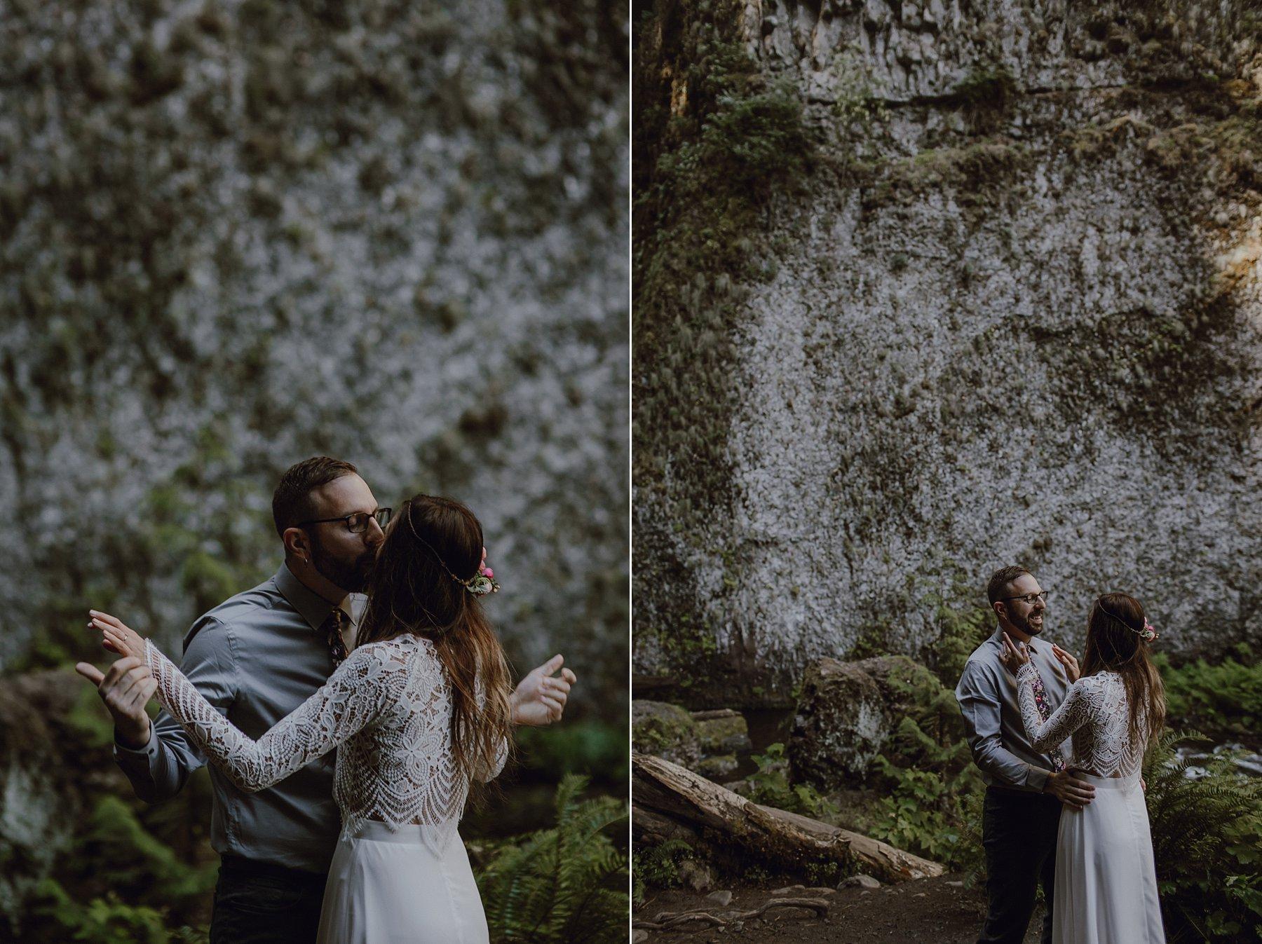 wahclella-falls-elopement-wedding_0010.jpg