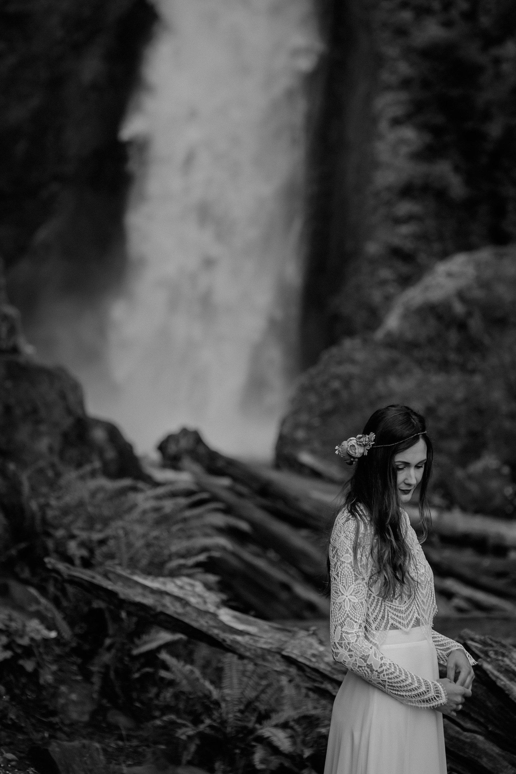 A bride portrait photo at Wahclella Falls