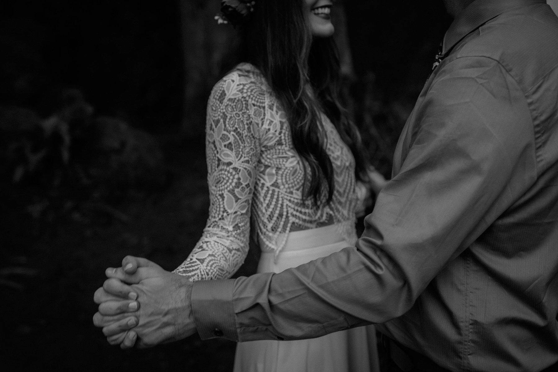 wahclella-falls-elopement-wedding_0017.jpg