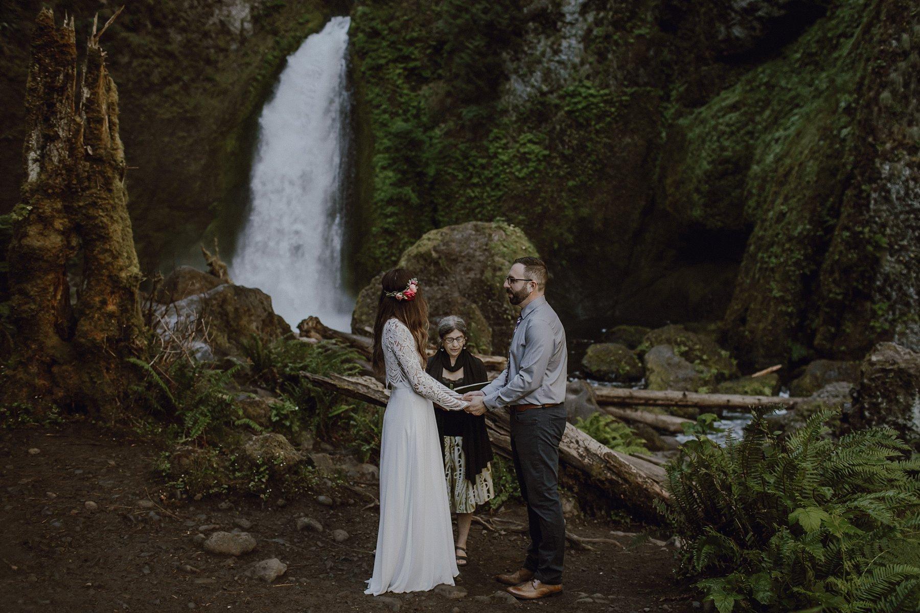 A wedding at Wahclella Falls