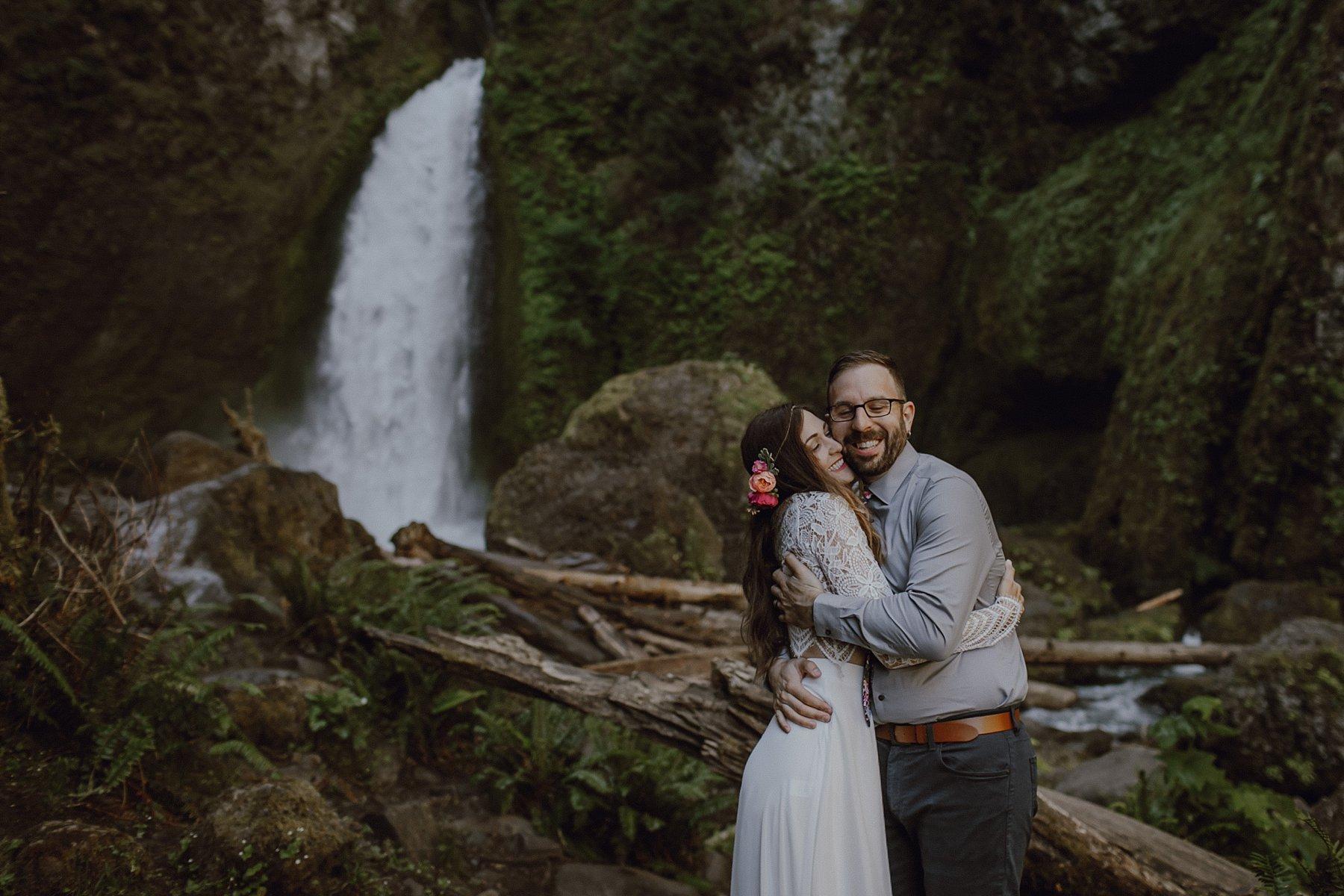 wahclella-falls-elopement-wedding_0033.jpg