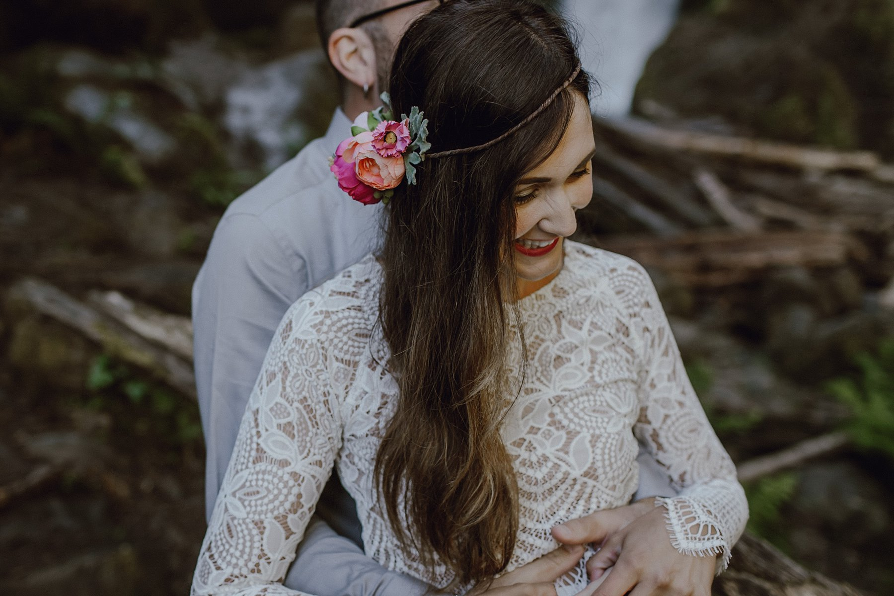 wahclella-falls-elopement-wedding_0036.jpg