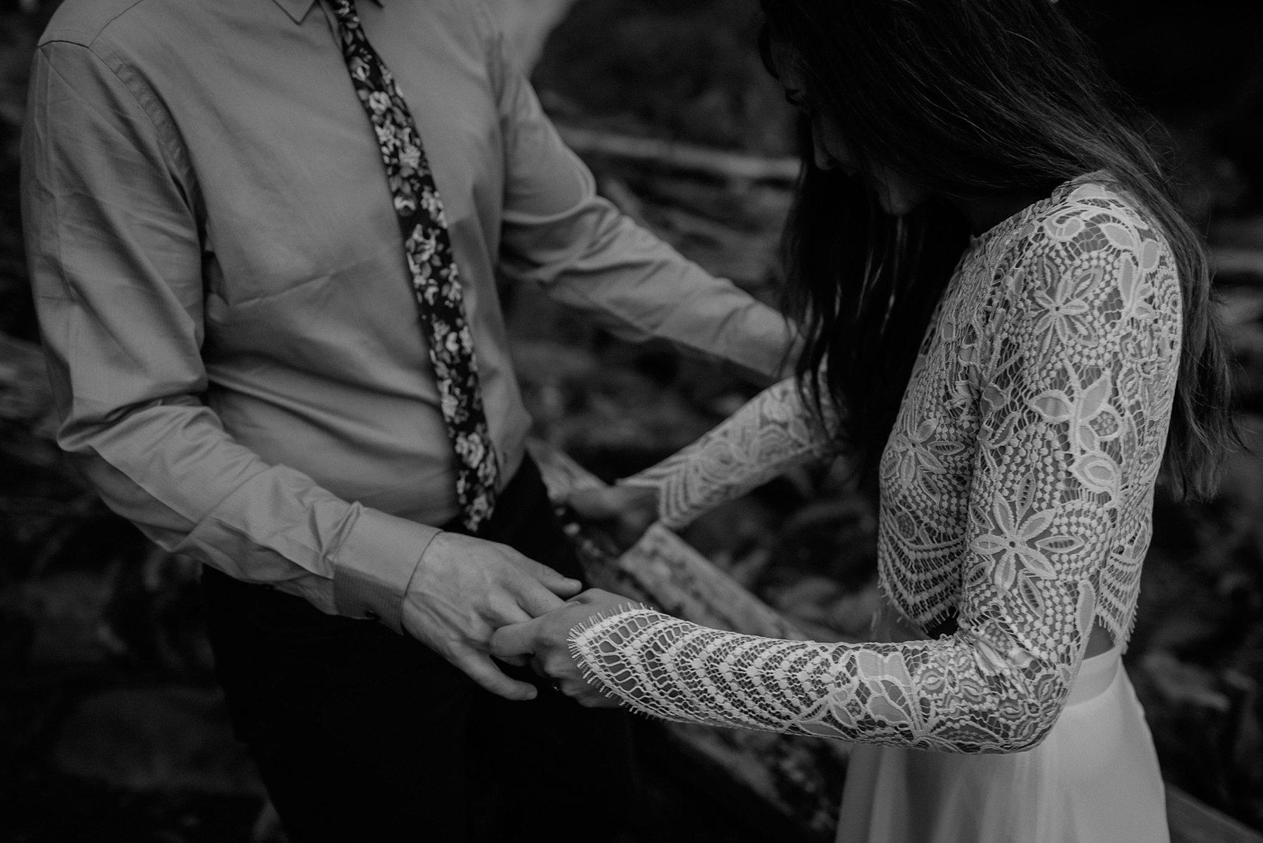 wahclella-falls-elopement-wedding_0041.jpg