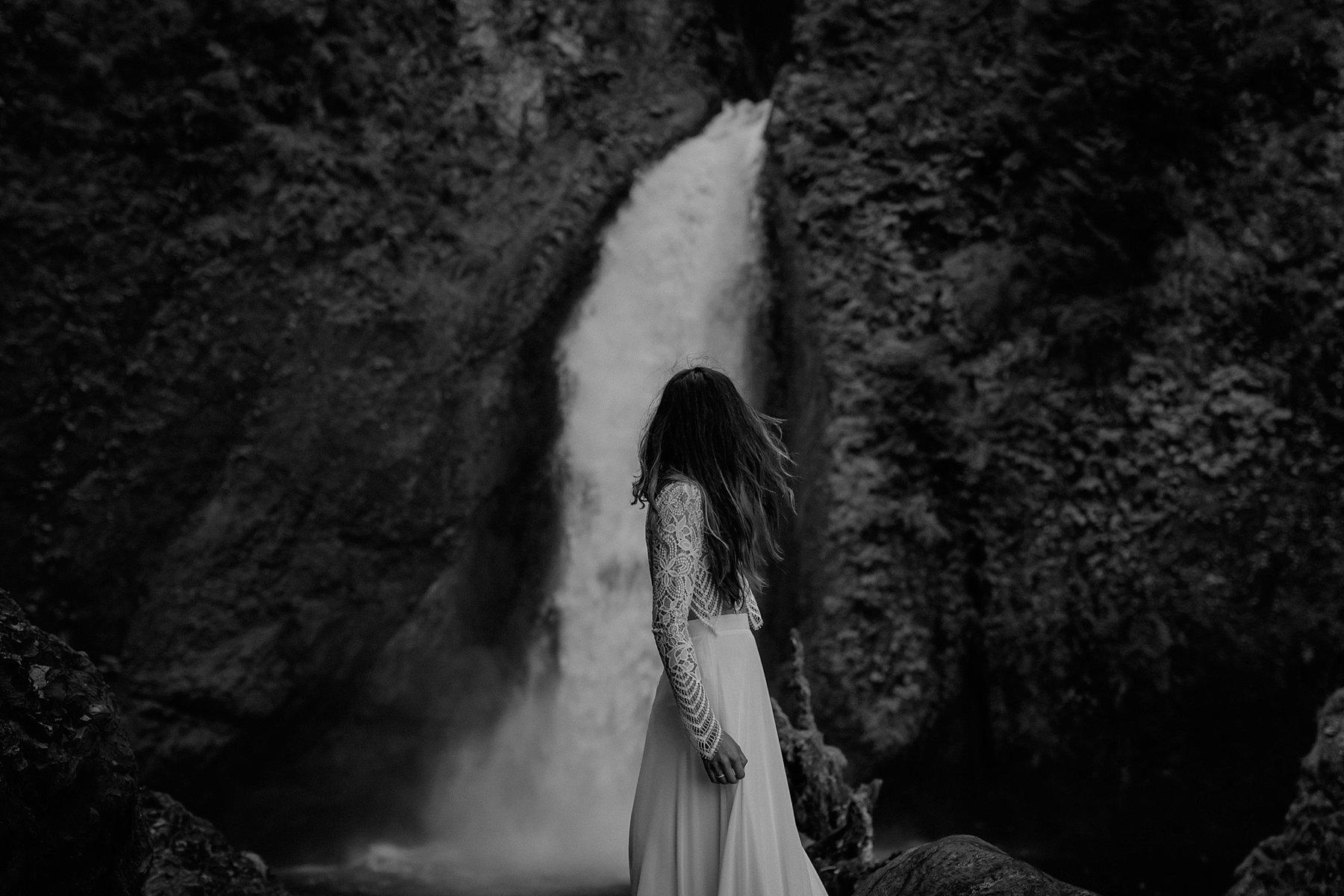 wahclella-falls-elopement-wedding_0048.jpg