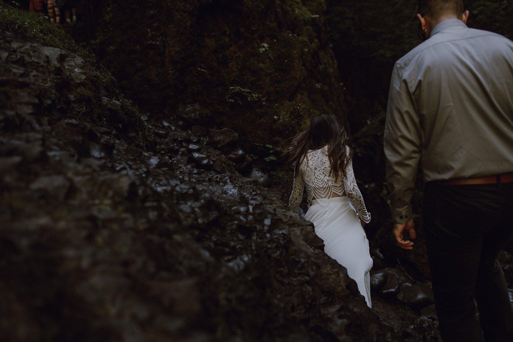 wahclella-falls-elopement-wedding_0049.jpg
