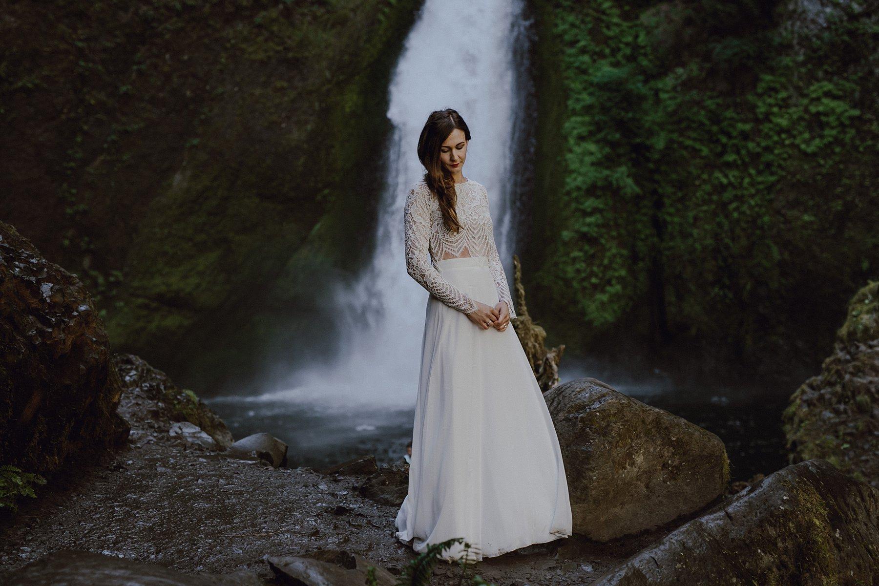 wahclella-falls-elopement-wedding_0047.jpg