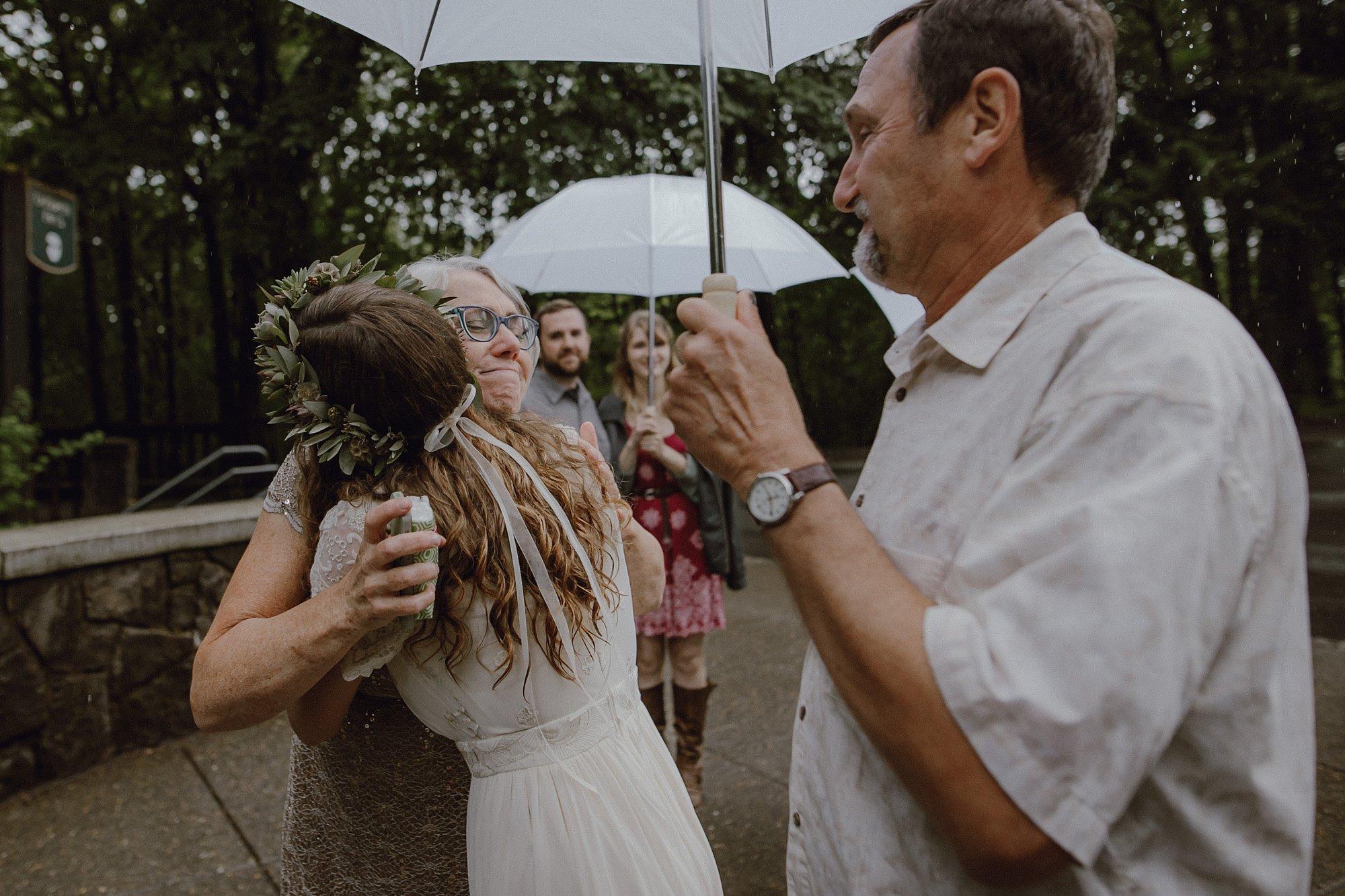 oregon-waterfall-elopement-wedding_0014.jpg