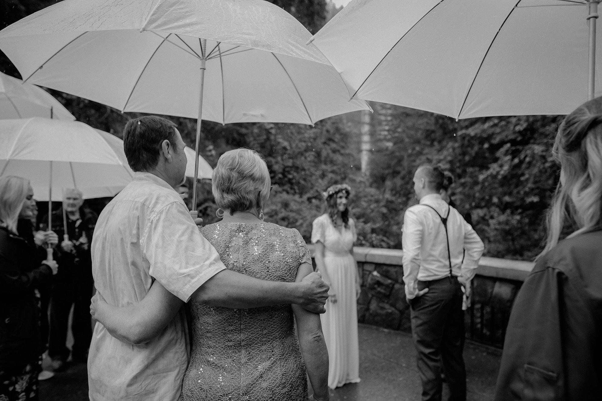 oregon-waterfall-elopement-wedding_0015.jpg