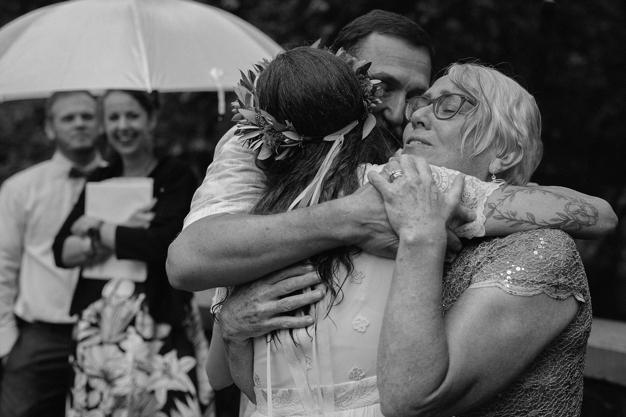 oregon-waterfall-elopement-wedding_0034.jpg