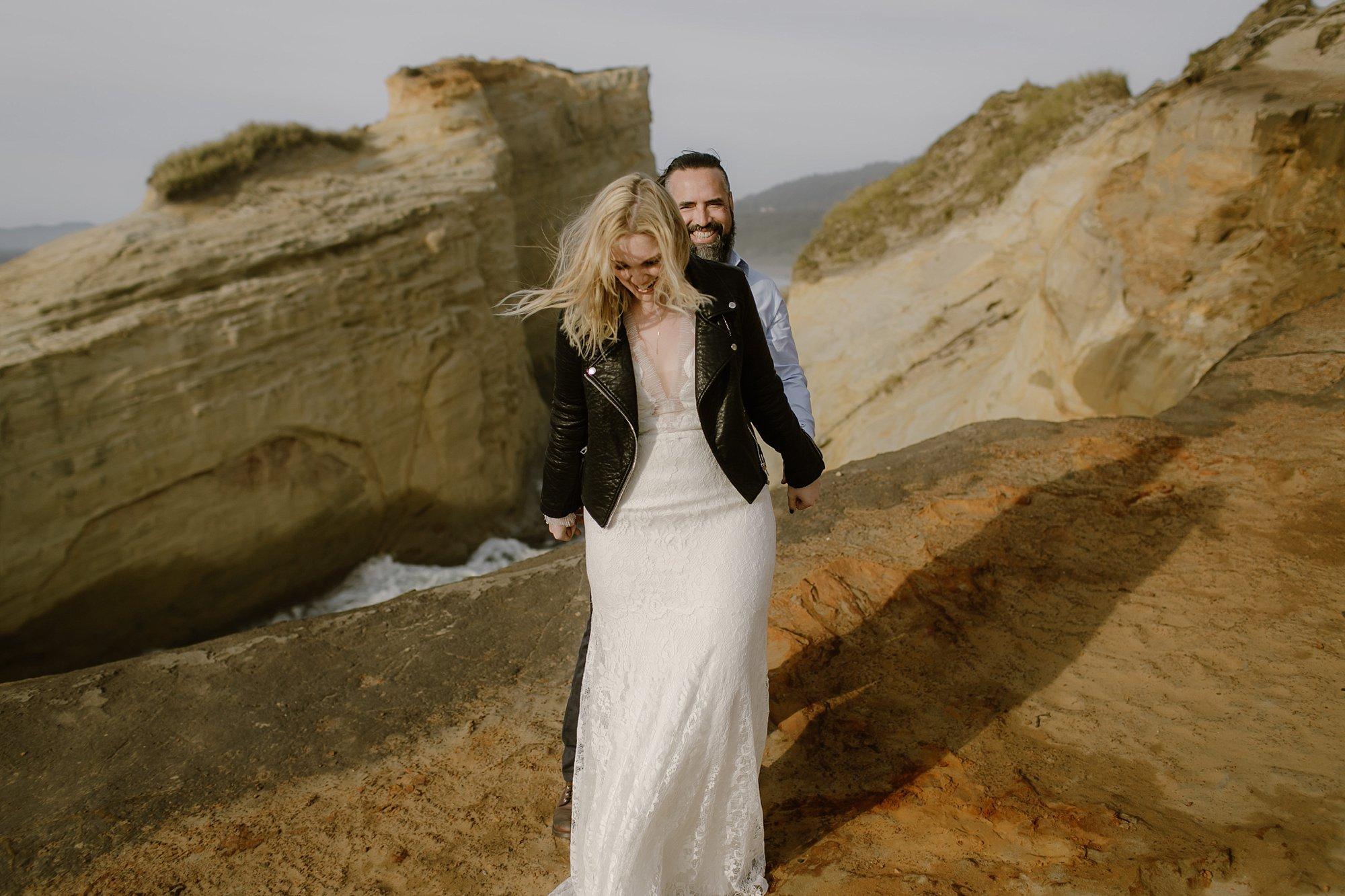 cape-kiwanda-elopement-wedding_0005.jpg