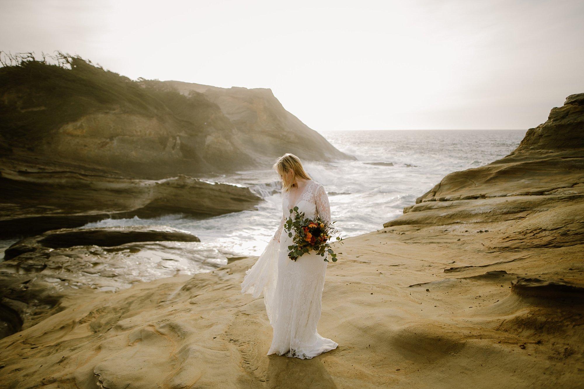 cape-kiwanda-elopement-wedding_0011.jpg