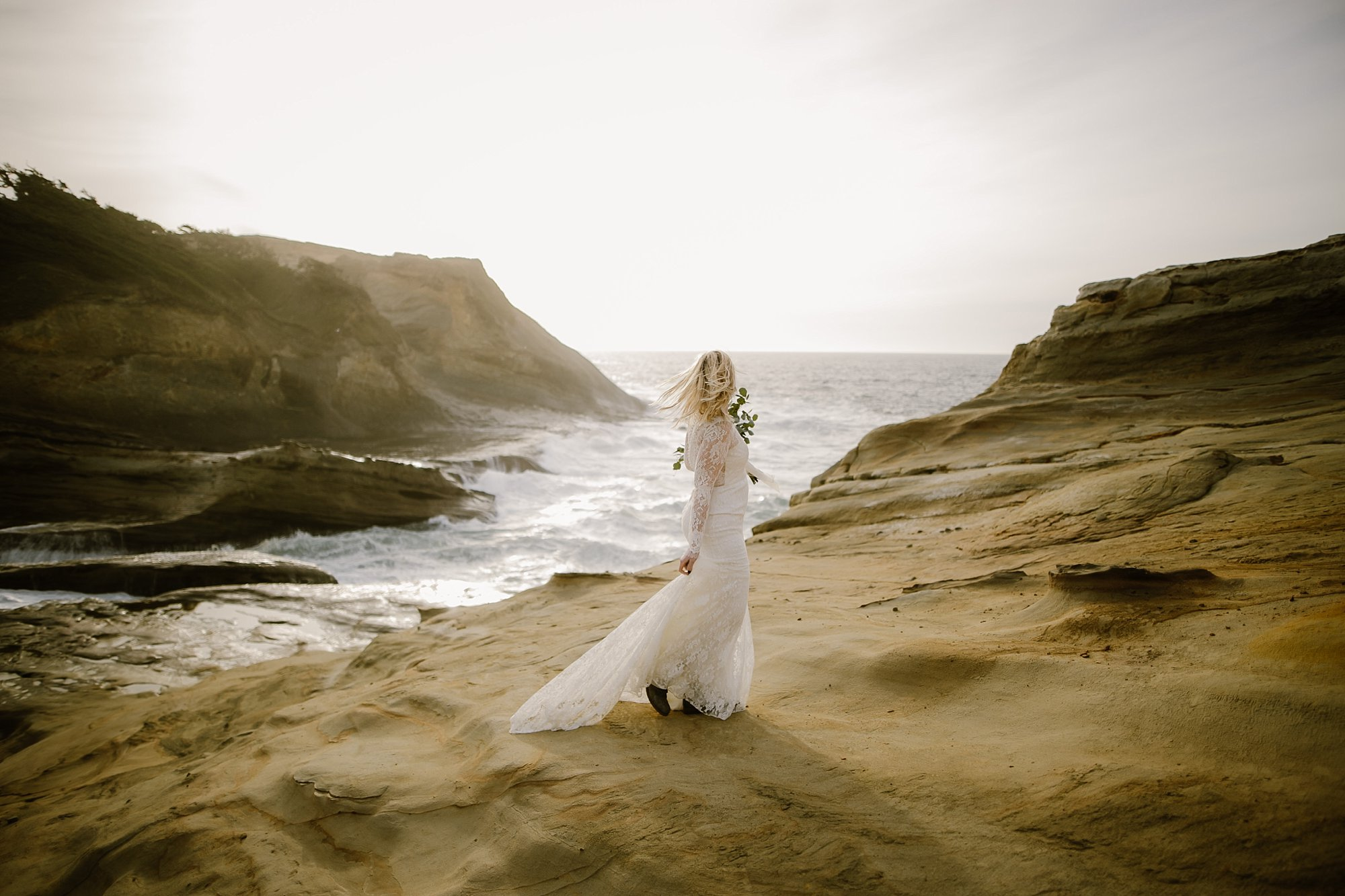 cape-kiwanda-elopement-wedding_0012.jpg