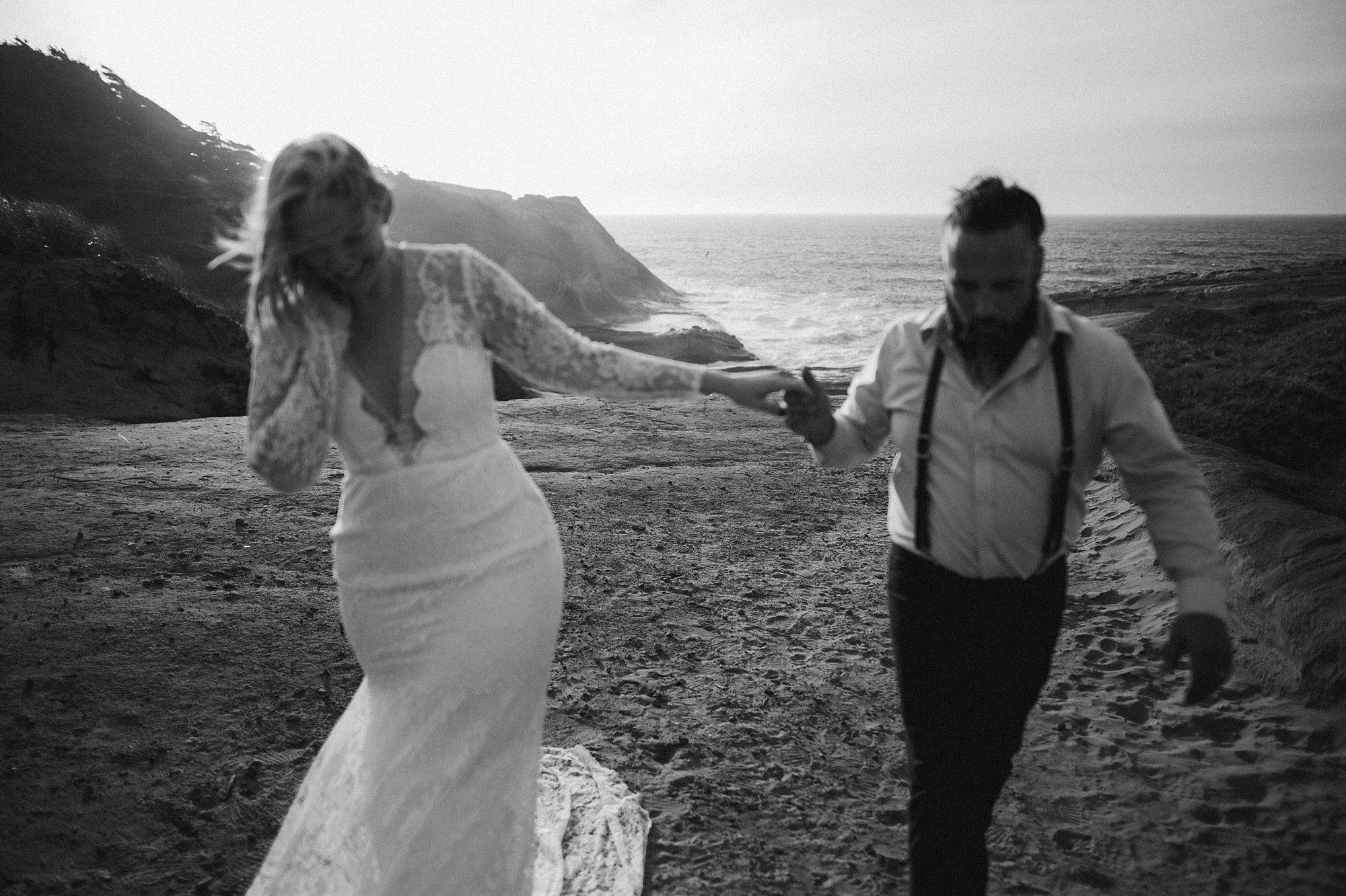 cape-kiwanda-elopement-wedding_0023.jpg