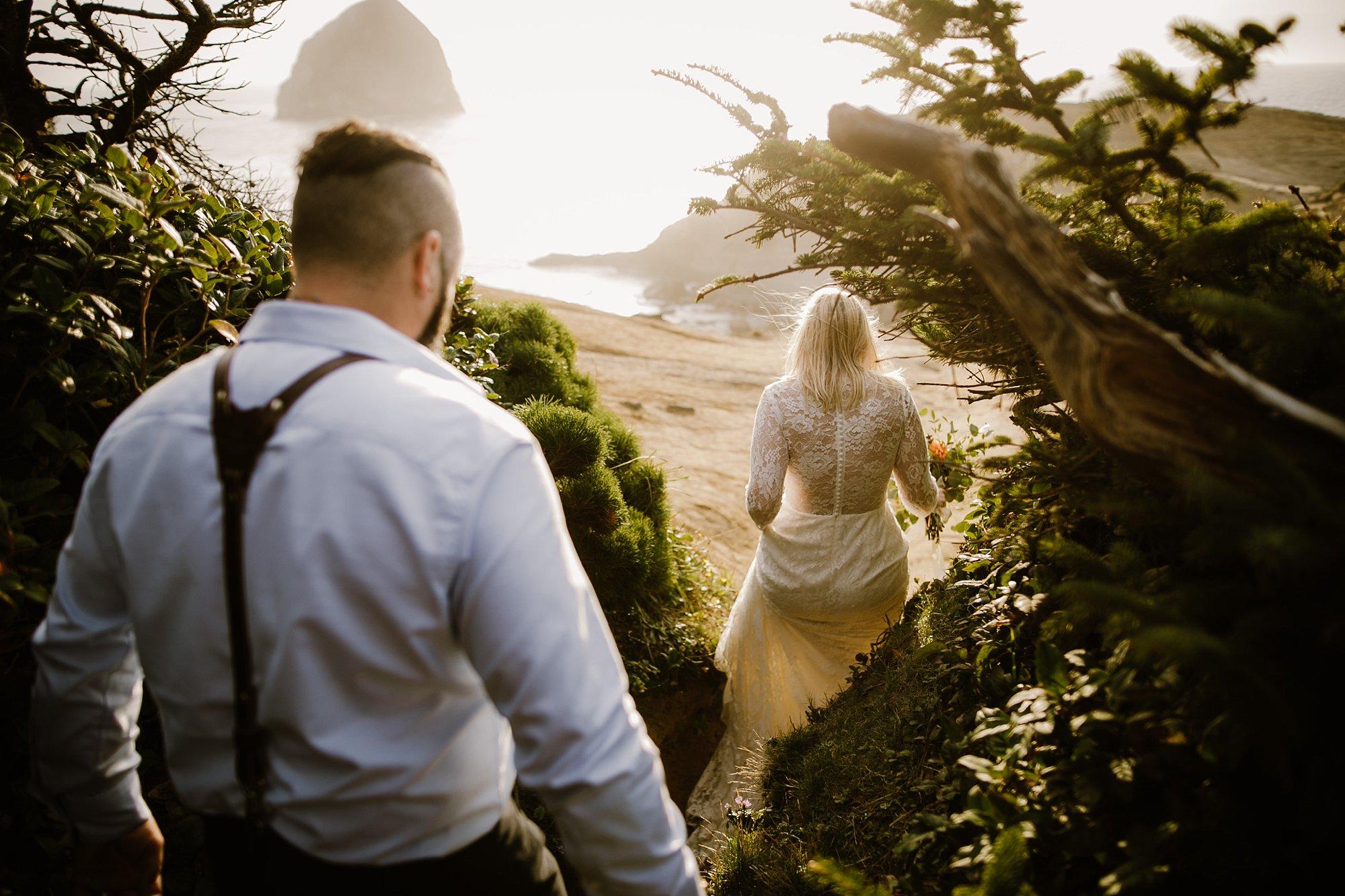 cape-kiwanda-elopement-wedding_0028.jpg
