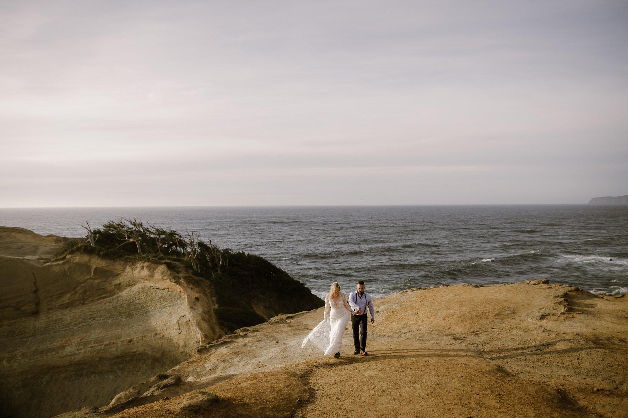 cape-kiwanda-elopement-wedding_0029.jpg