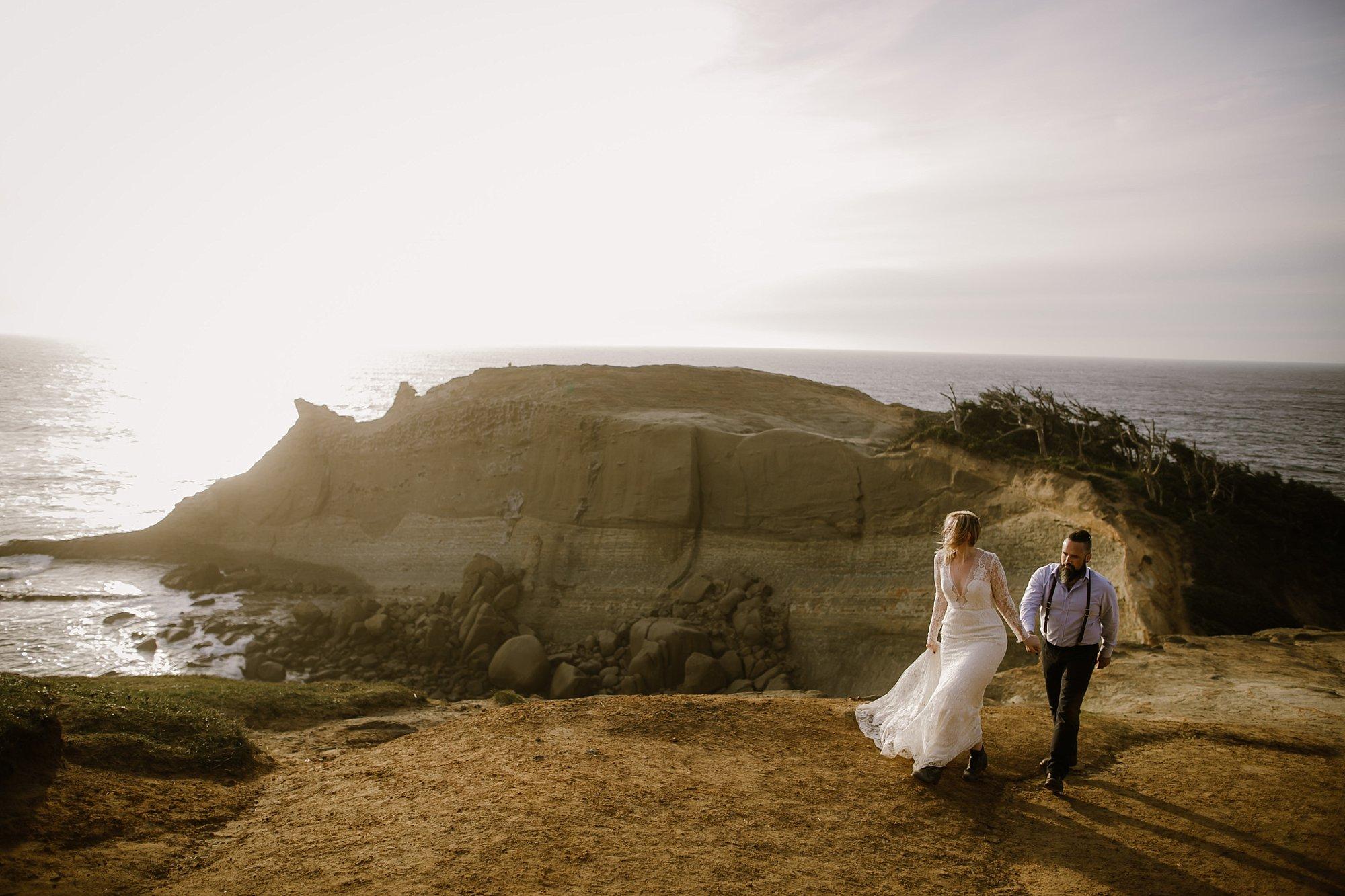 An Oregon Coast sunset elopement wedding