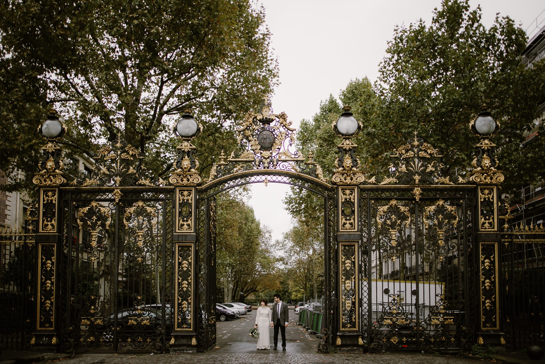 Wedding photos at Parc Monceau