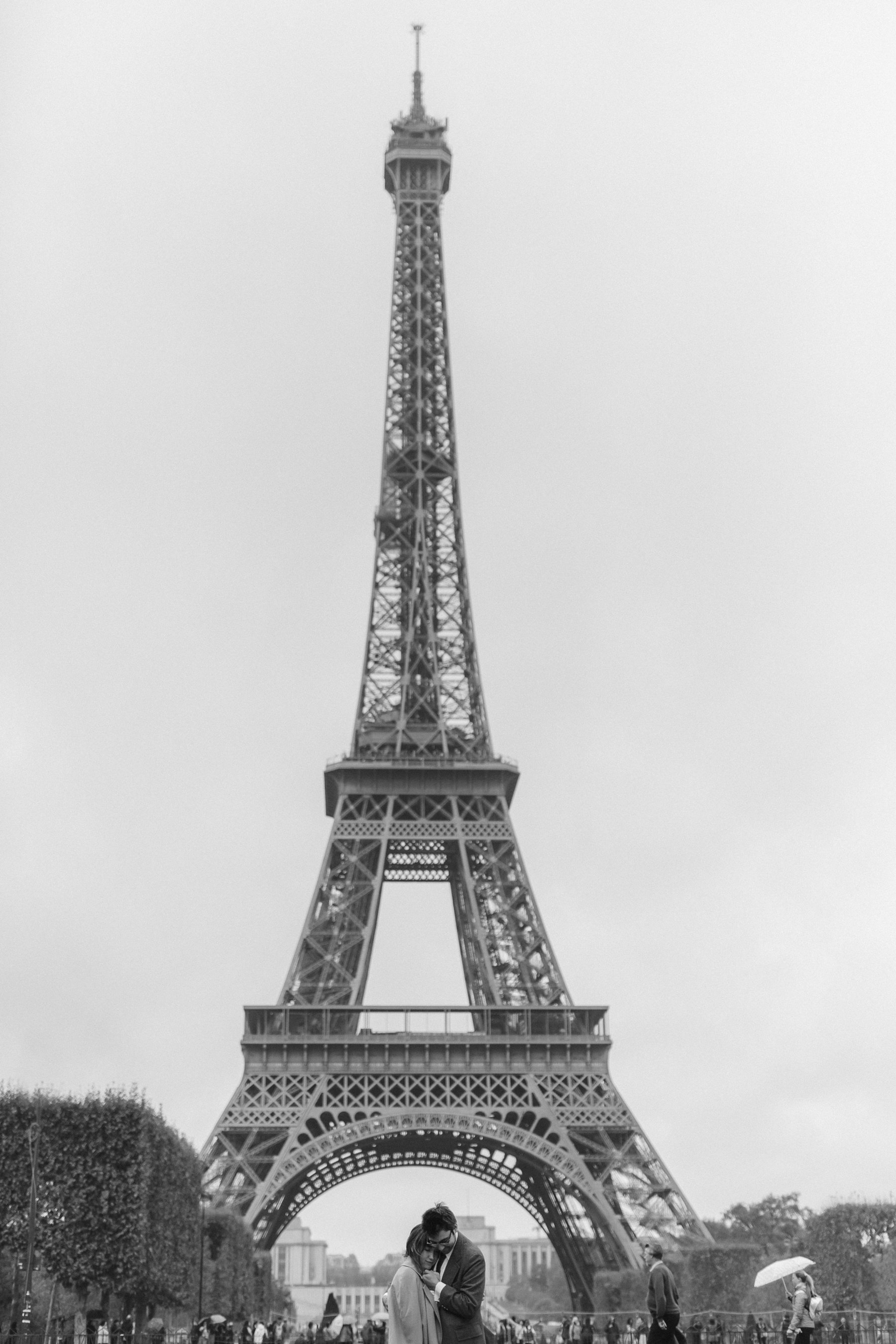 A wedding photo with the Eiffel Tower in Paris, France