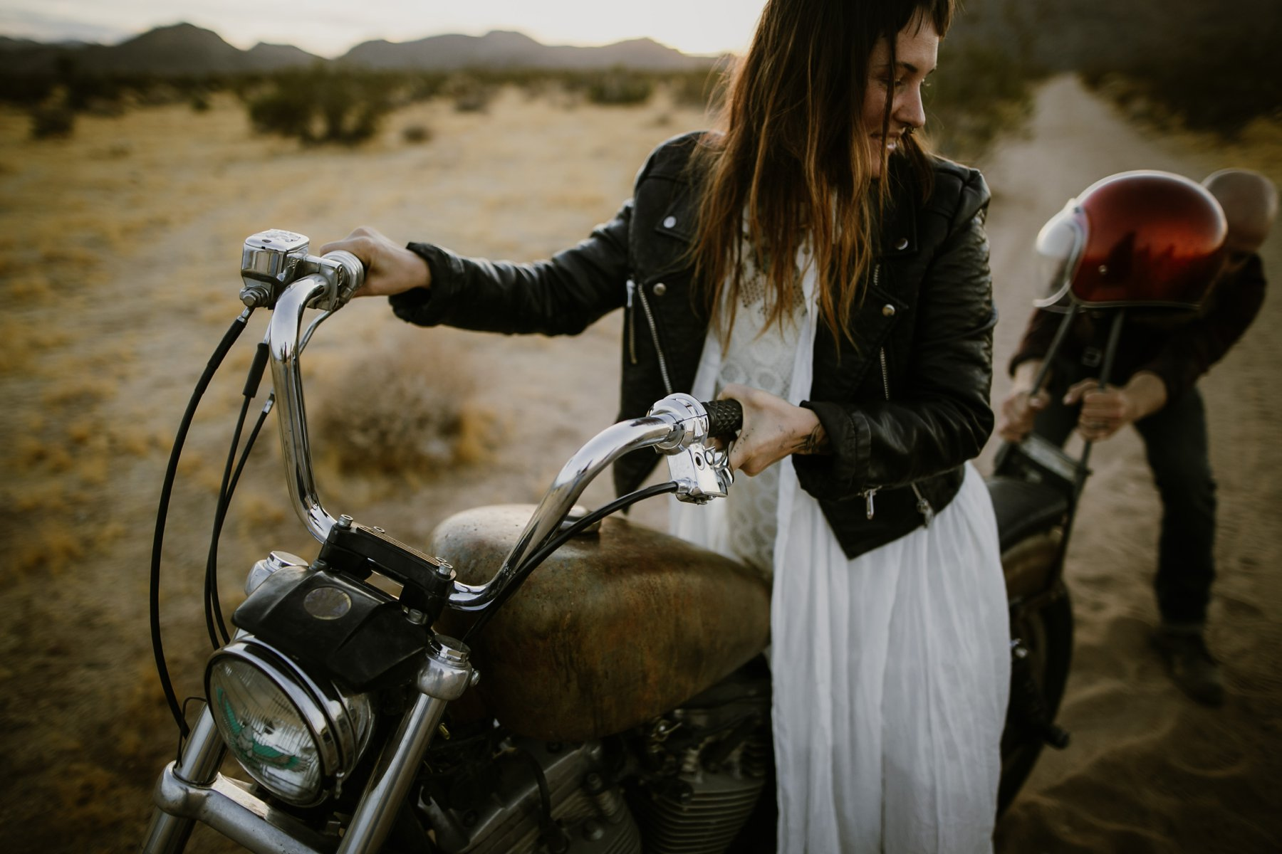 motorcycle-elopement-in-joshua-tree_0027.jpg