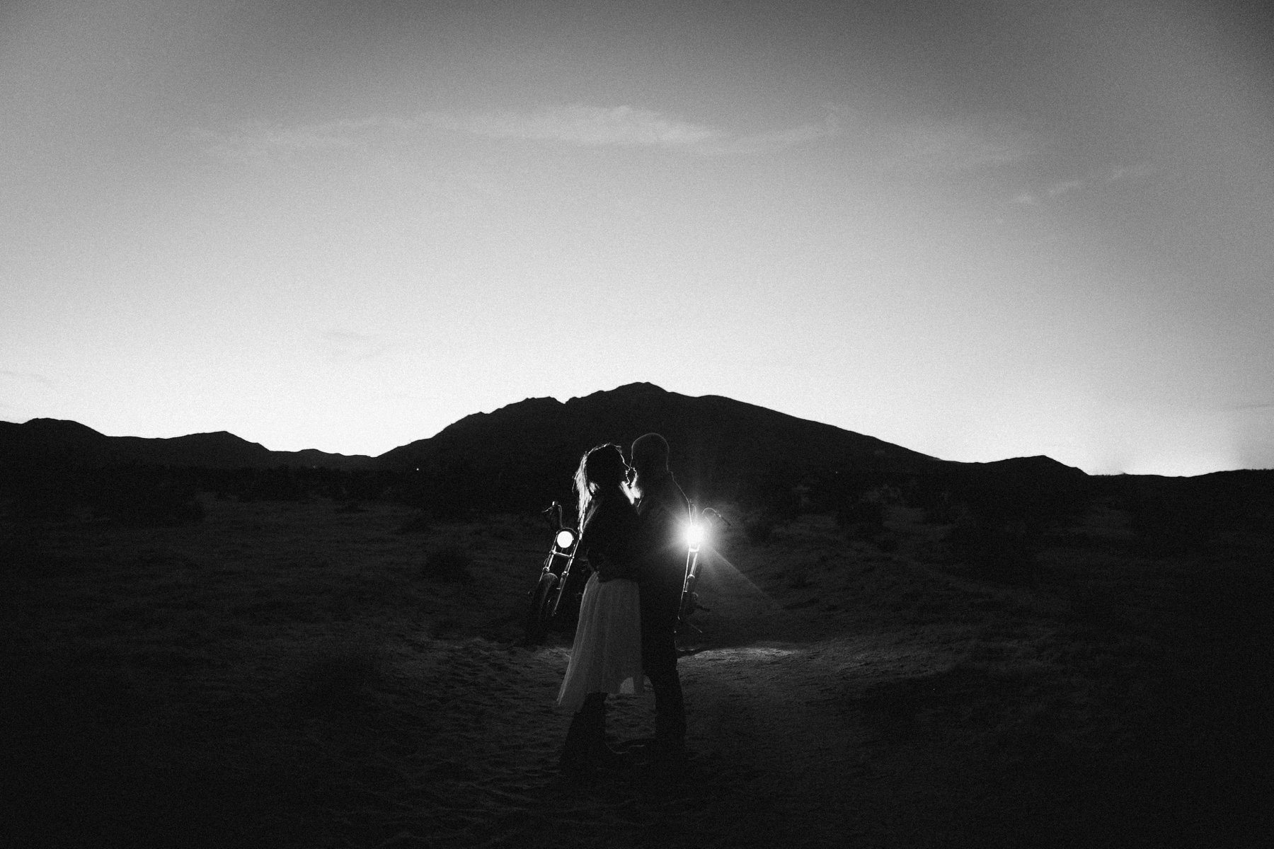 motorcycle-elopement-in-joshua-tree_0040.jpg
