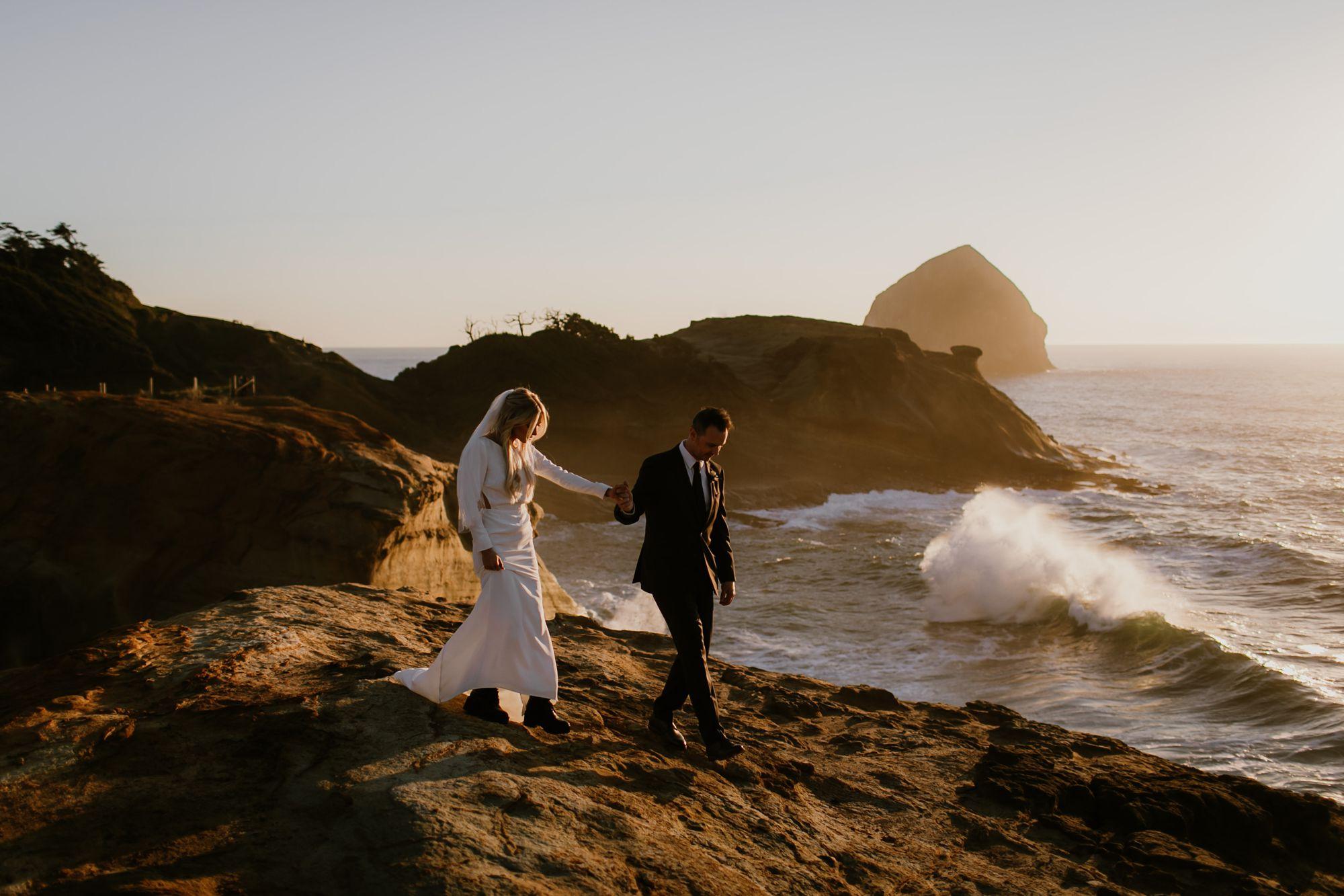 Oregon coast wedding photo at Cape Kiwanda